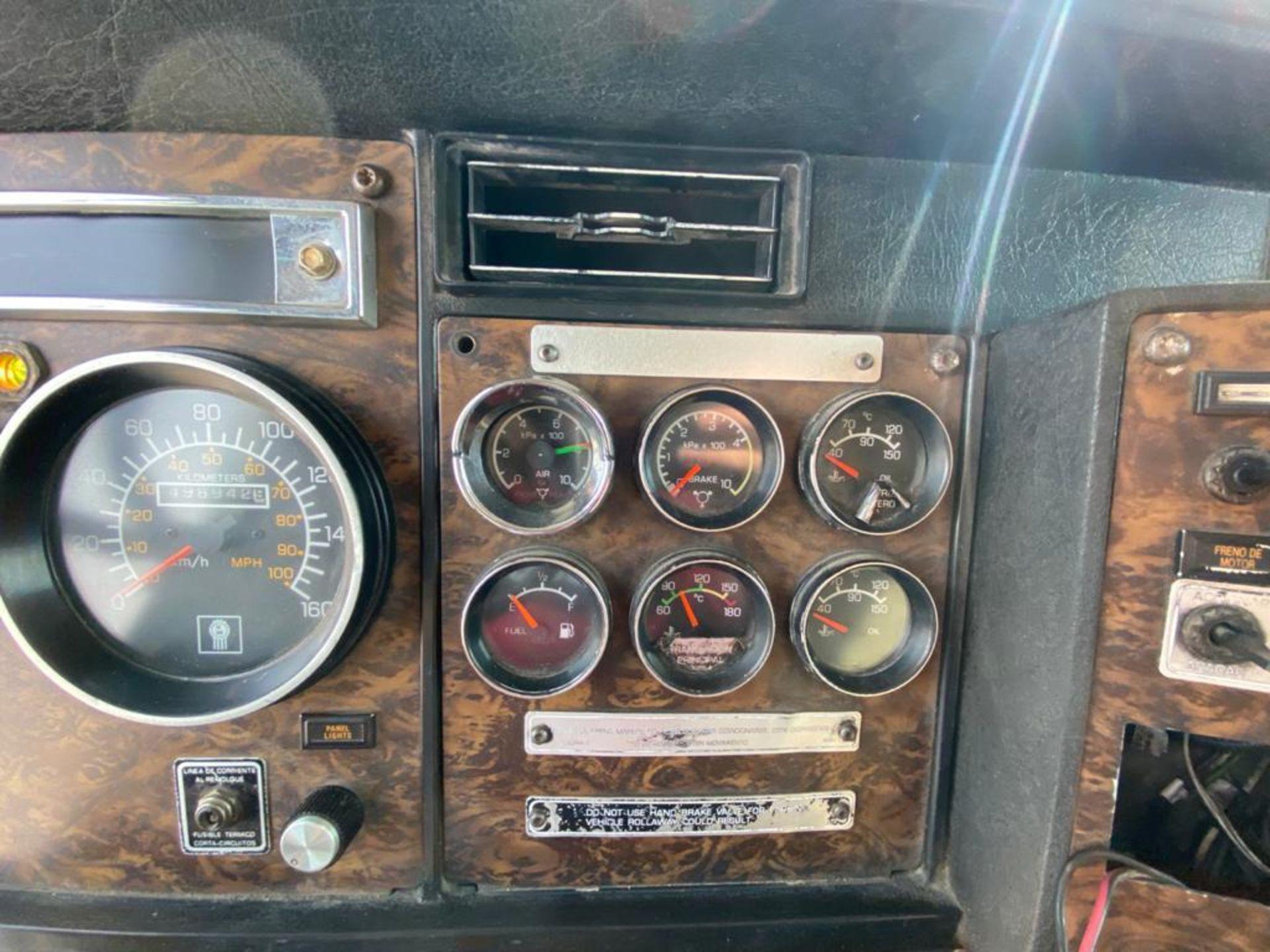 1998 Kenworth Sleeper truck tractor, standard transmission of 18 speeds - Image 36 of 75