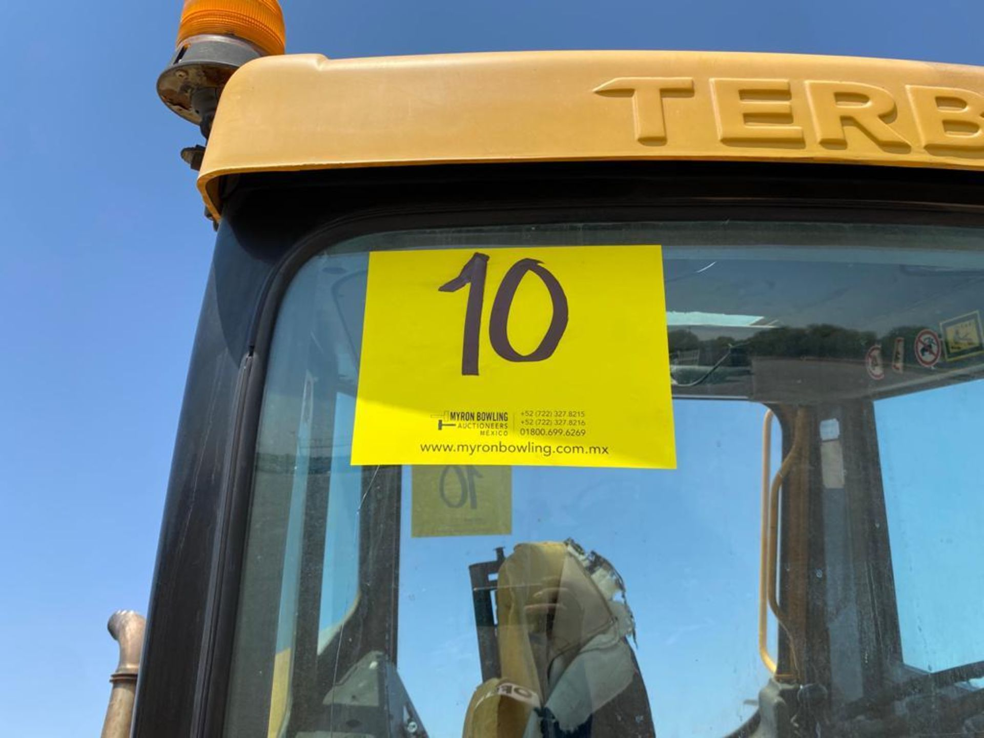 Terberg Capacity 2002 Terminal Tractor, automatic transmission, with Volvo motor - Image 28 of 28