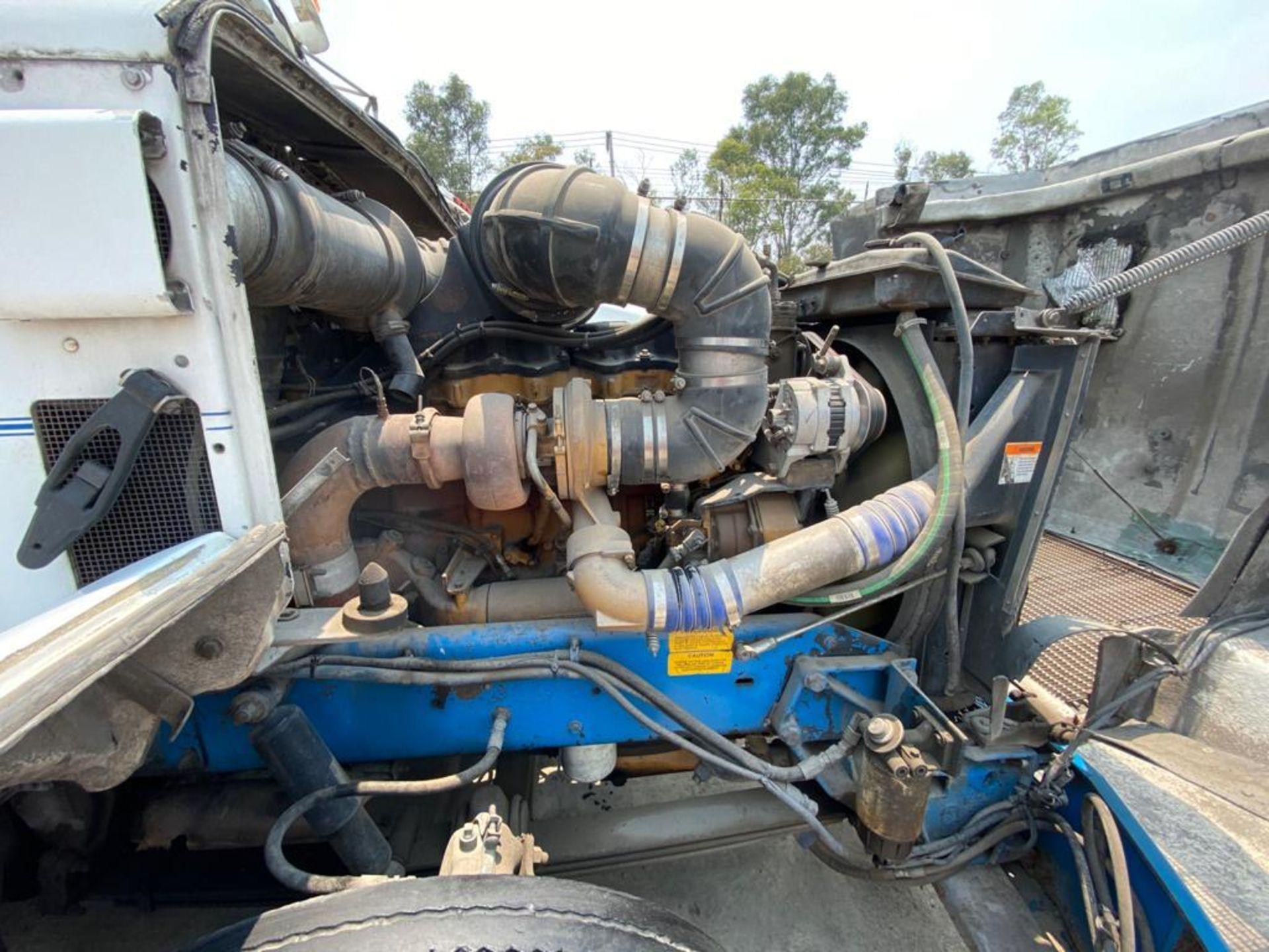 1999 Kenworth Sleeper truck tractor, standard transmission of 18 speeds - Image 65 of 70