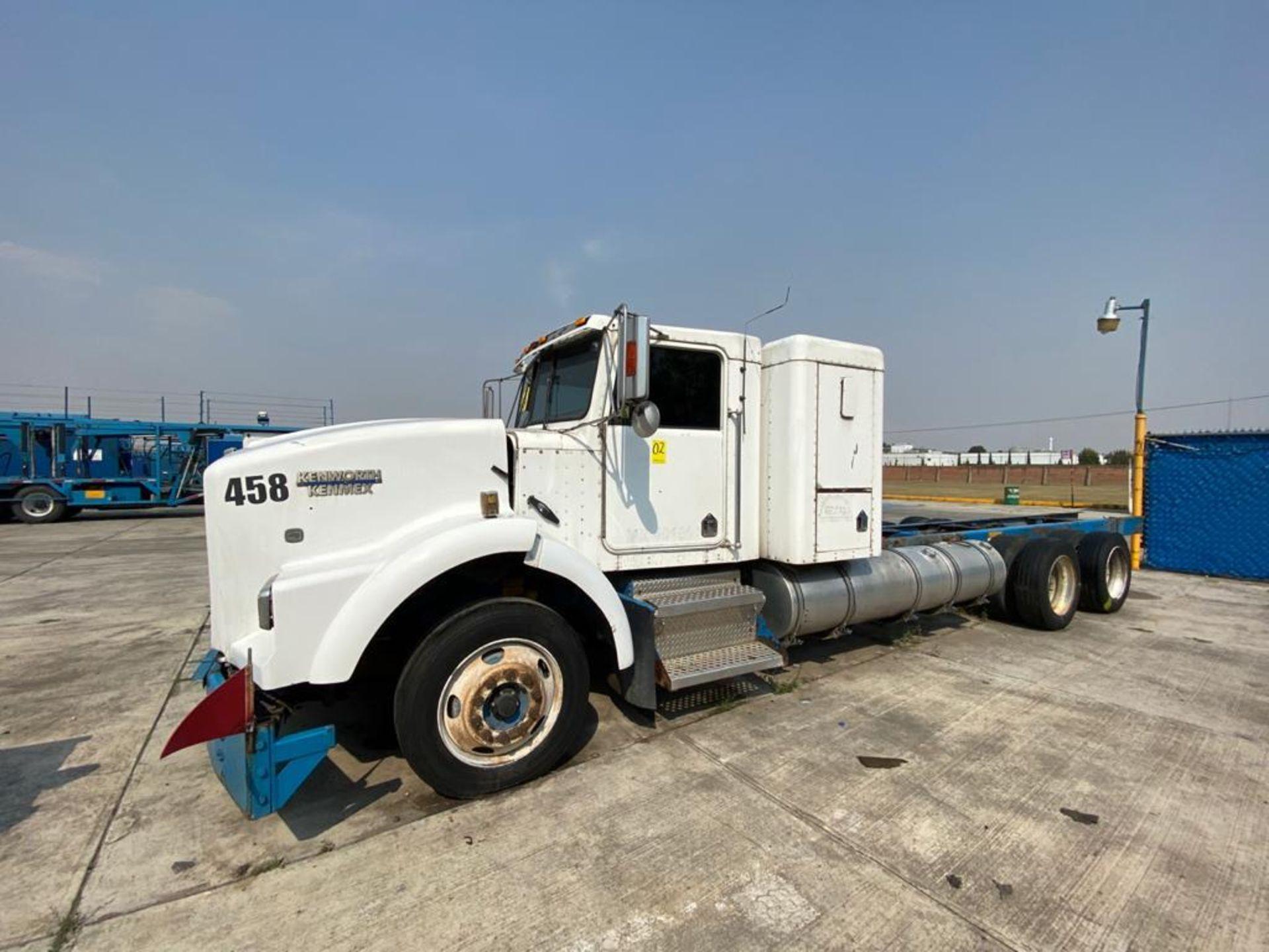 1999 Kenworth Sleeper truck tractor, standard transmission of 18 speeds - Image 10 of 75