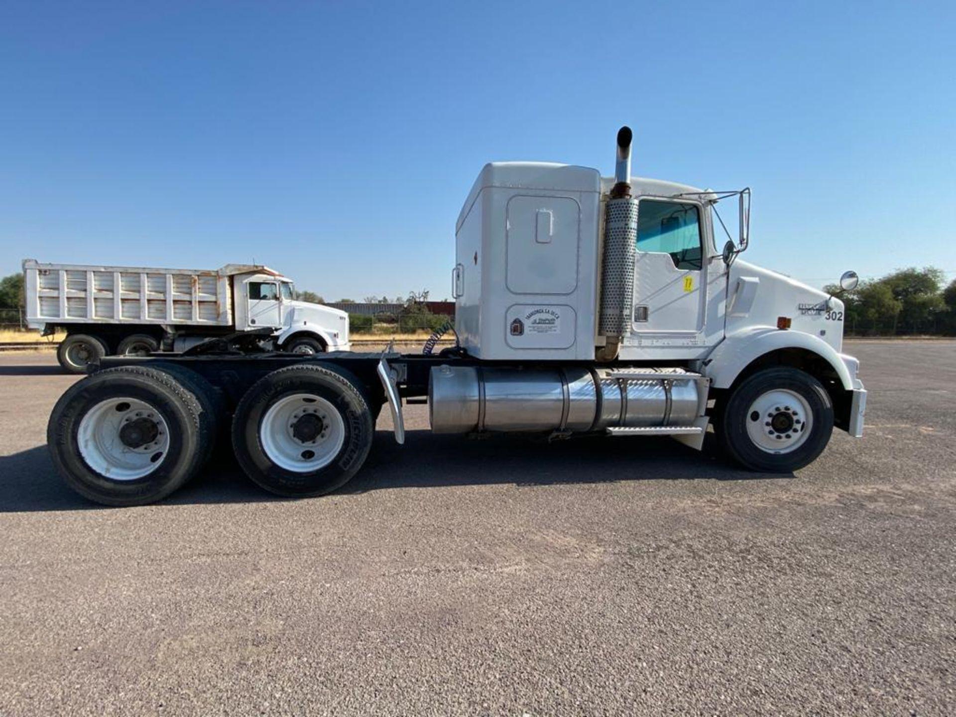 1998 Kenworth Sleeper Truck Tractor, standard transmission of 18 speeds - Image 16 of 55