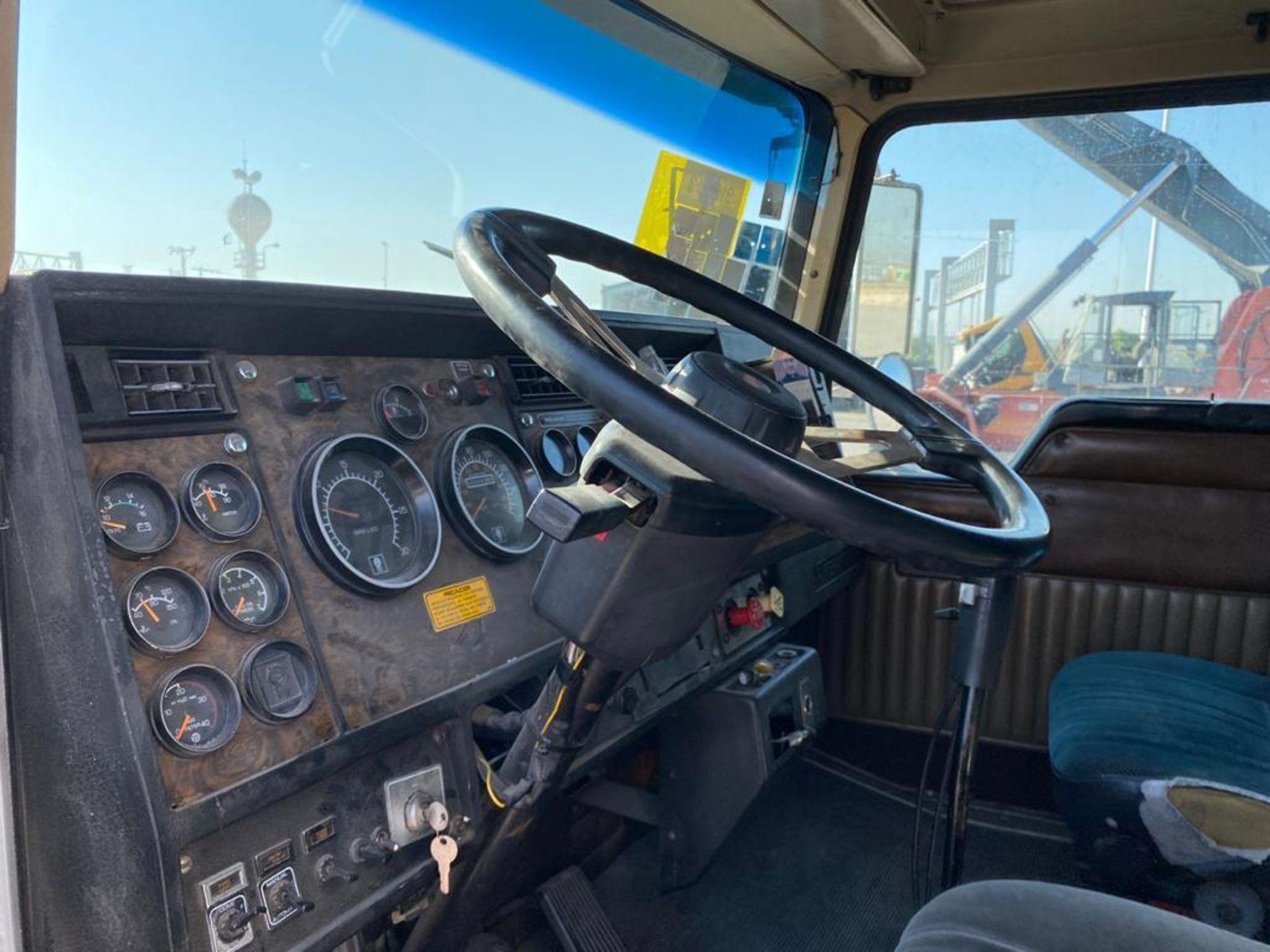 1998 Kenworth Sleeper Truck Tractor, standard transmission of 18 speeds - Image 37 of 55