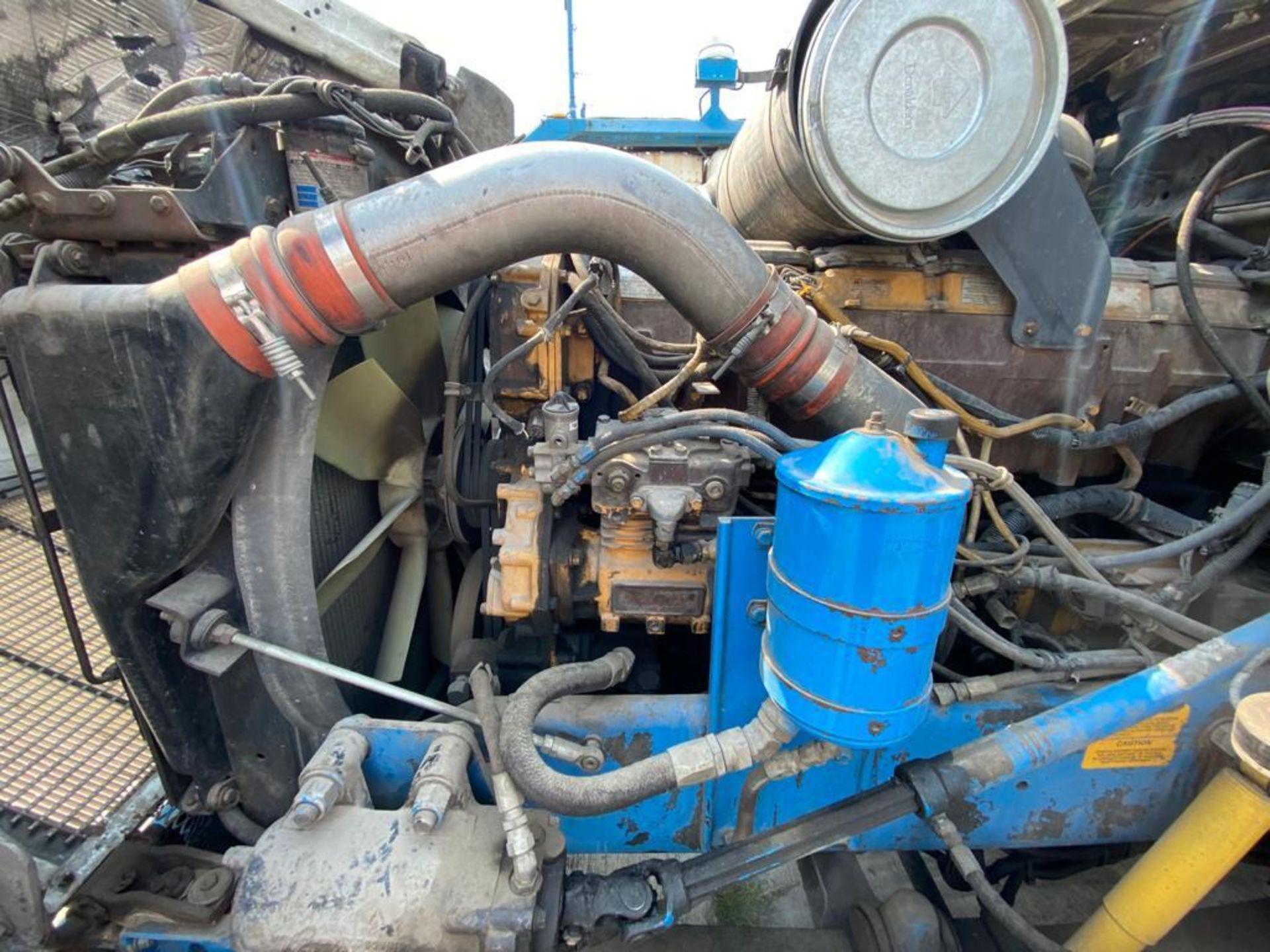 1999 Kenworth Sleeper truck tractor, standard transmission of 18 speeds - Image 67 of 72