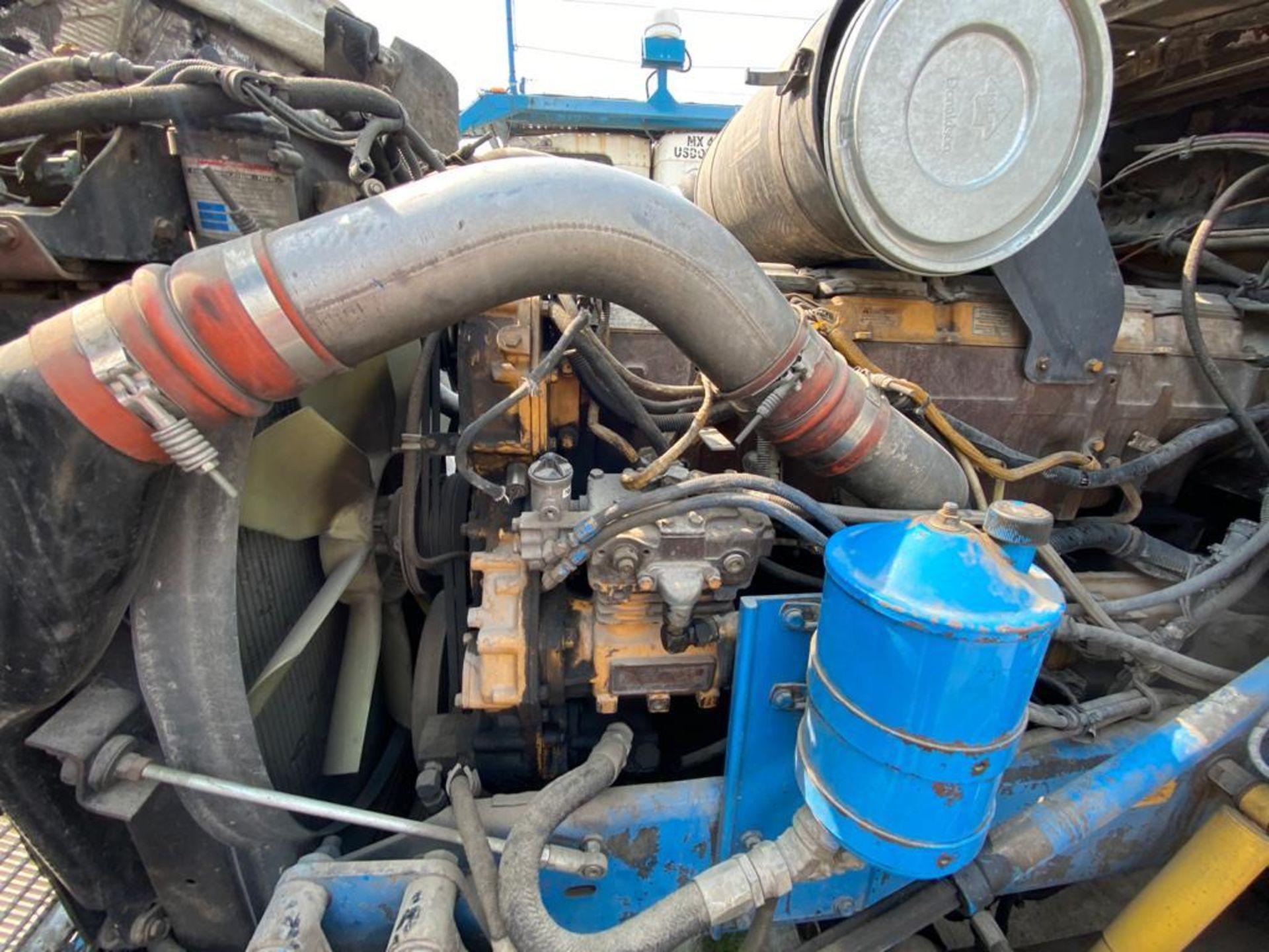 1999 Kenworth Sleeper truck tractor, standard transmission of 18 speeds - Image 71 of 72