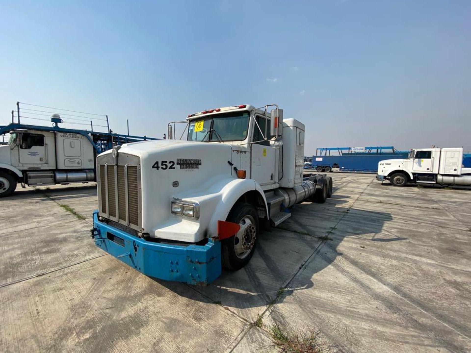 1998 Kenworth Sleeper truck tractor, standard transmission of 18 speeds - Image 7 of 75