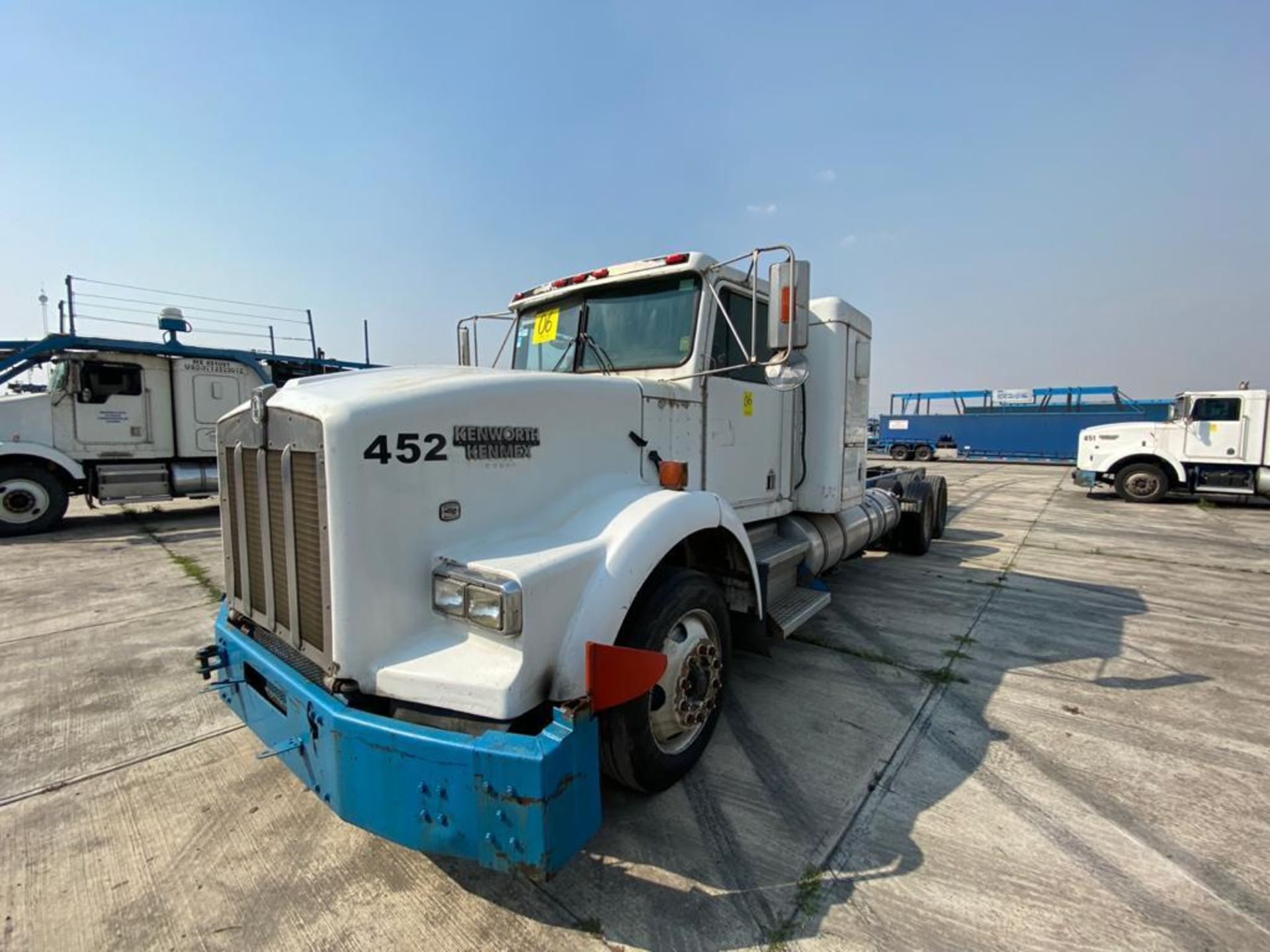 1998 Kenworth Sleeper truck tractor, standard transmission of 18 speeds - Image 6 of 75