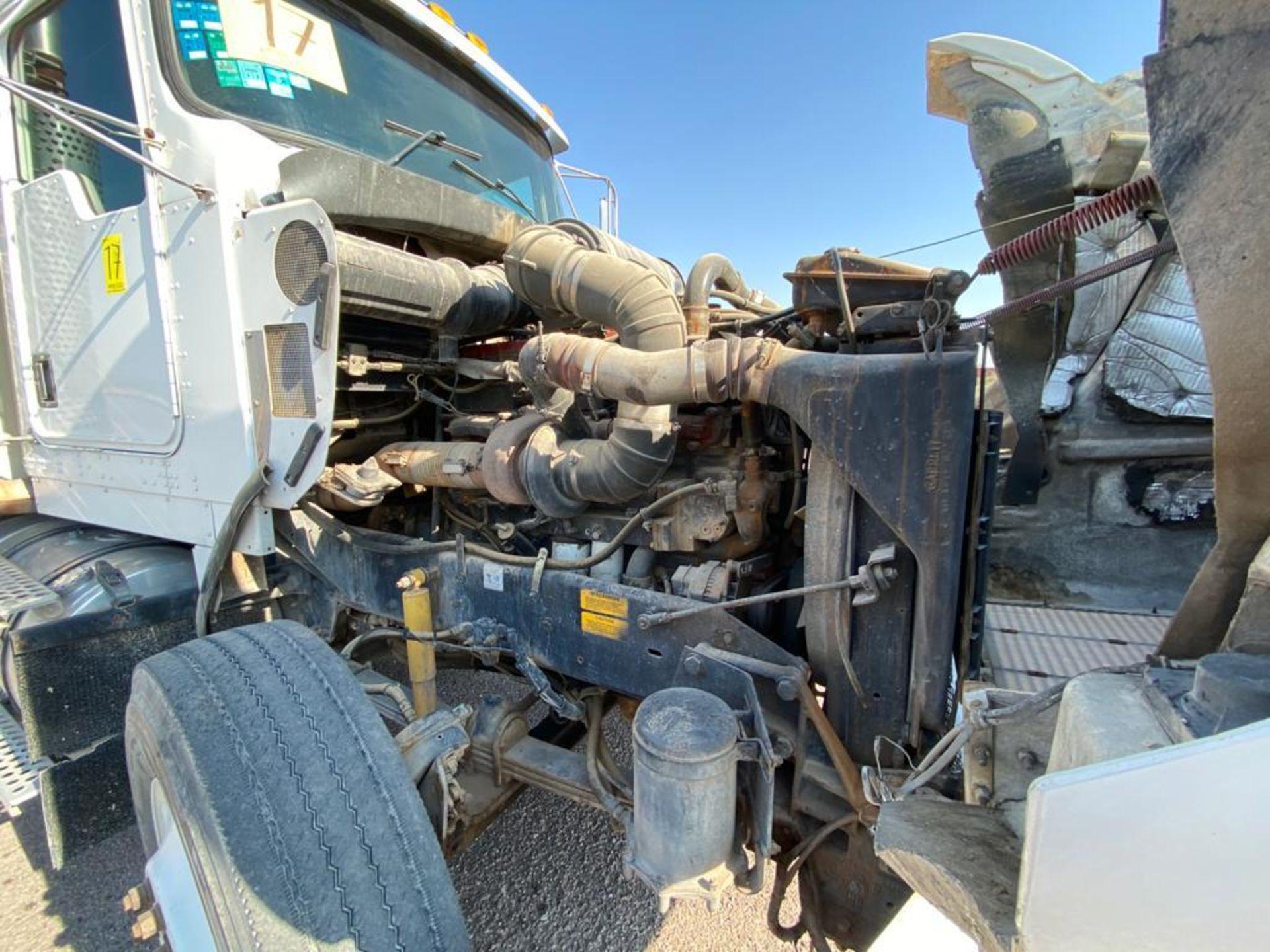 1998 Kenworth Sleeper Truck Tractor, standard transmission of 18 speeds - Image 52 of 55