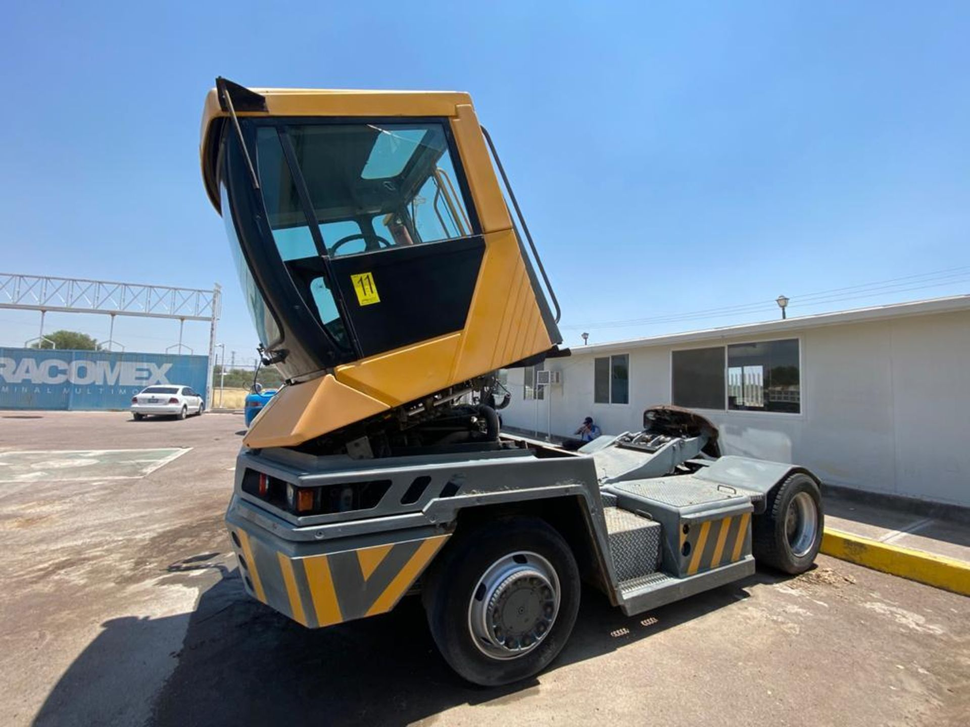 Terberg Capacity 2002 Terminal Tractor, automatic transmission, with Volvo motor - Image 33 of 57