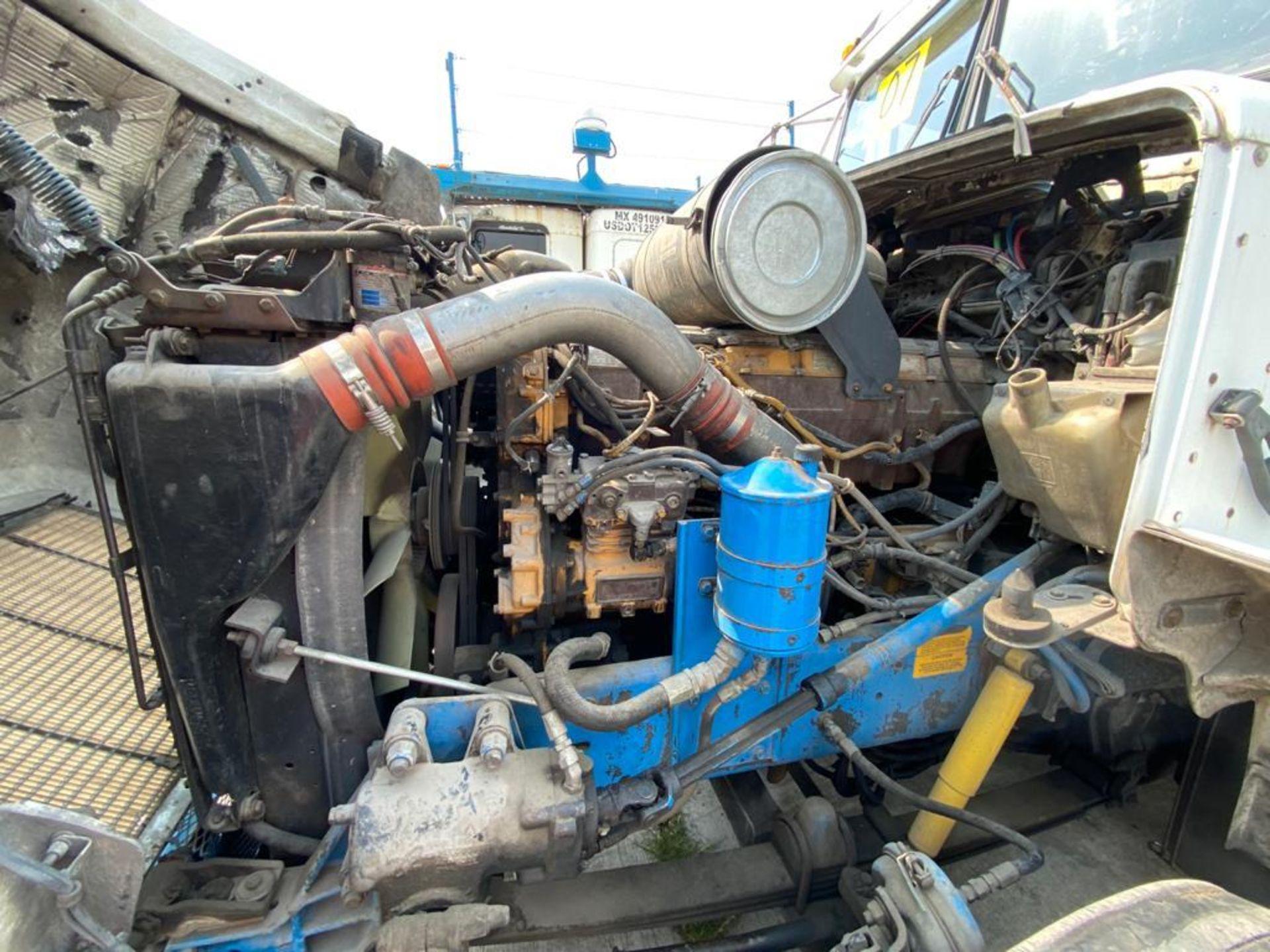 1999 Kenworth Sleeper truck tractor, standard transmission of 18 speeds - Image 56 of 72