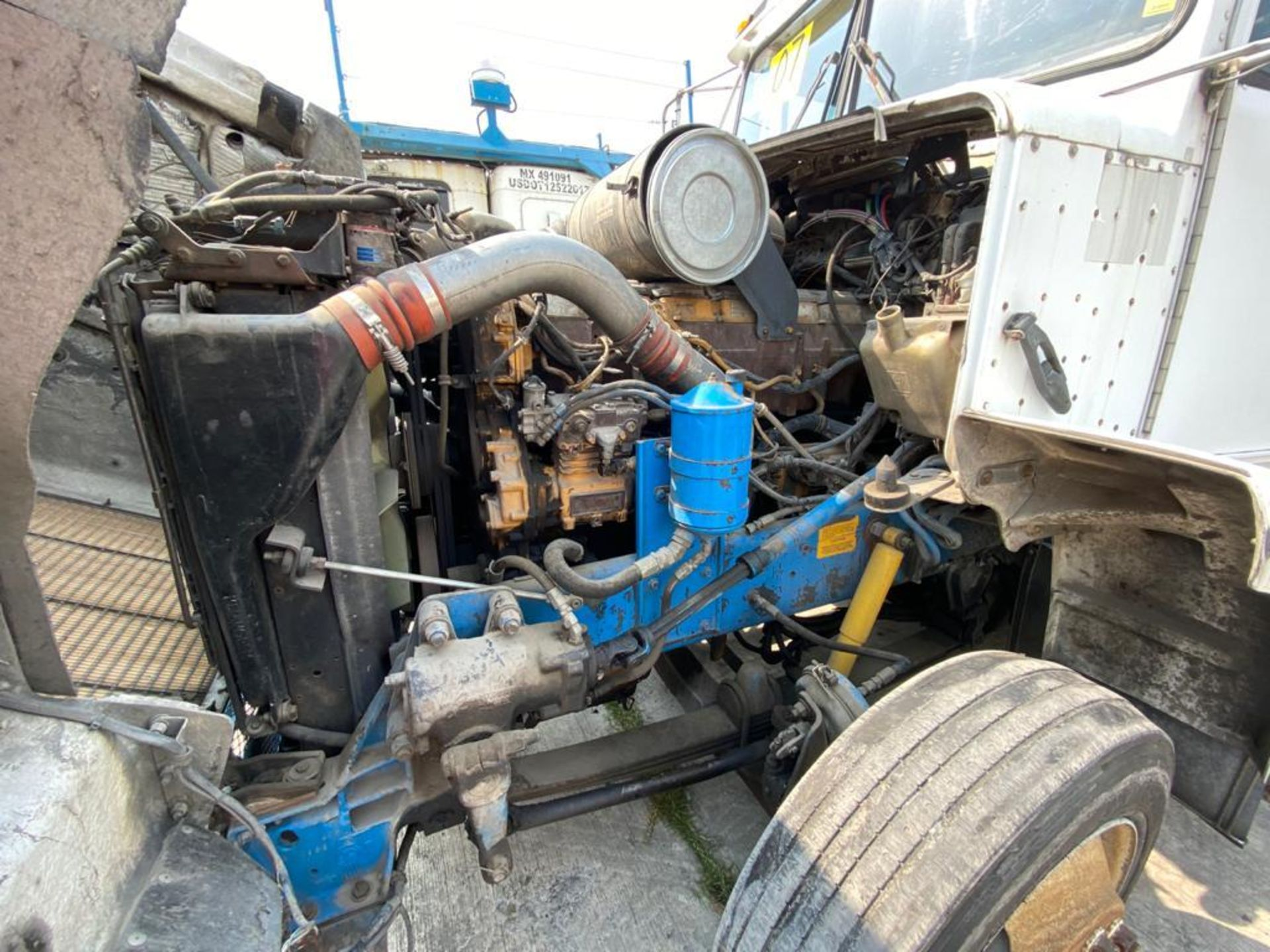 1999 Kenworth Sleeper truck tractor, standard transmission of 18 speeds - Image 59 of 72