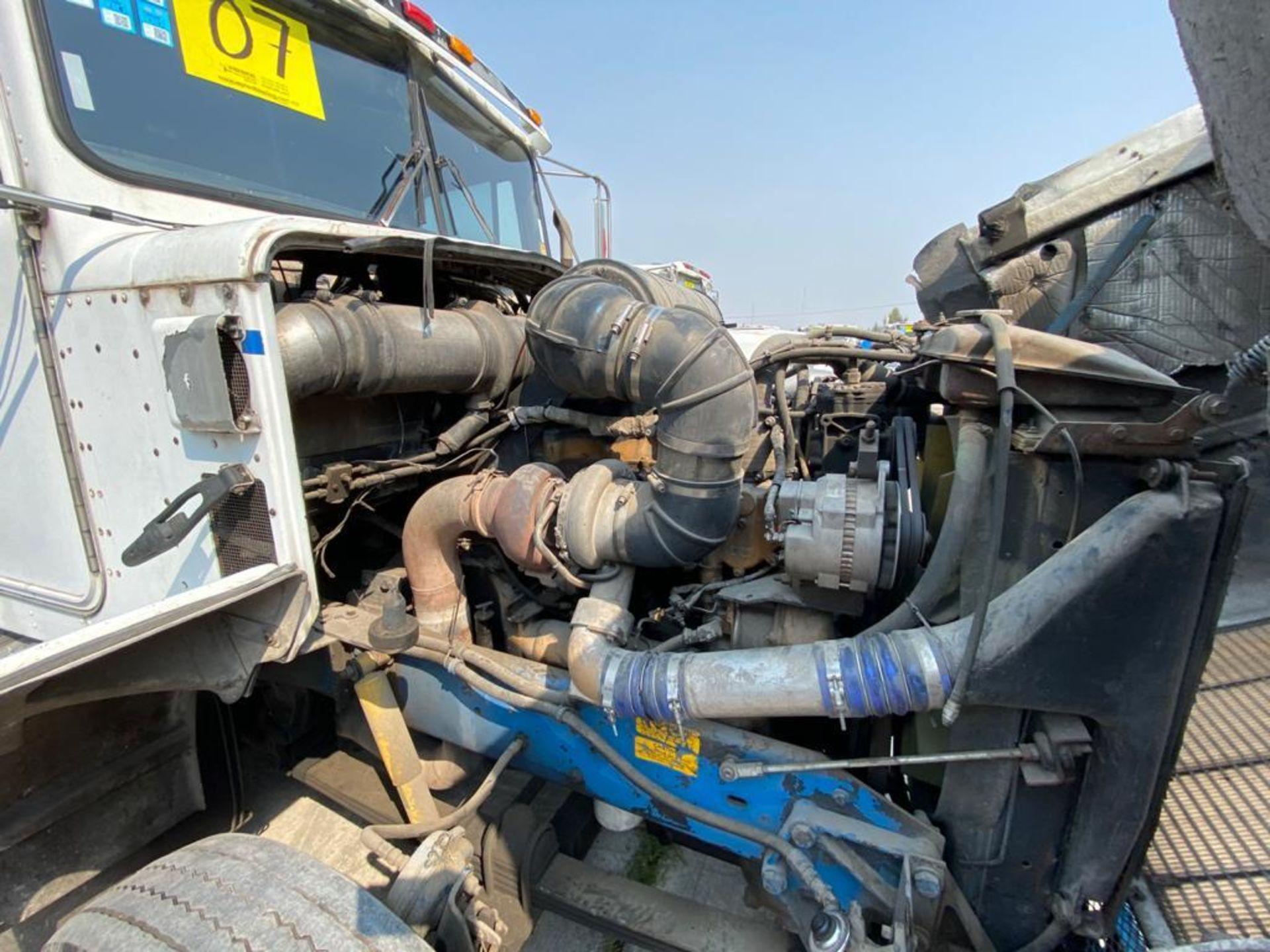 1999 Kenworth Sleeper truck tractor, standard transmission of 18 speeds - Image 66 of 72