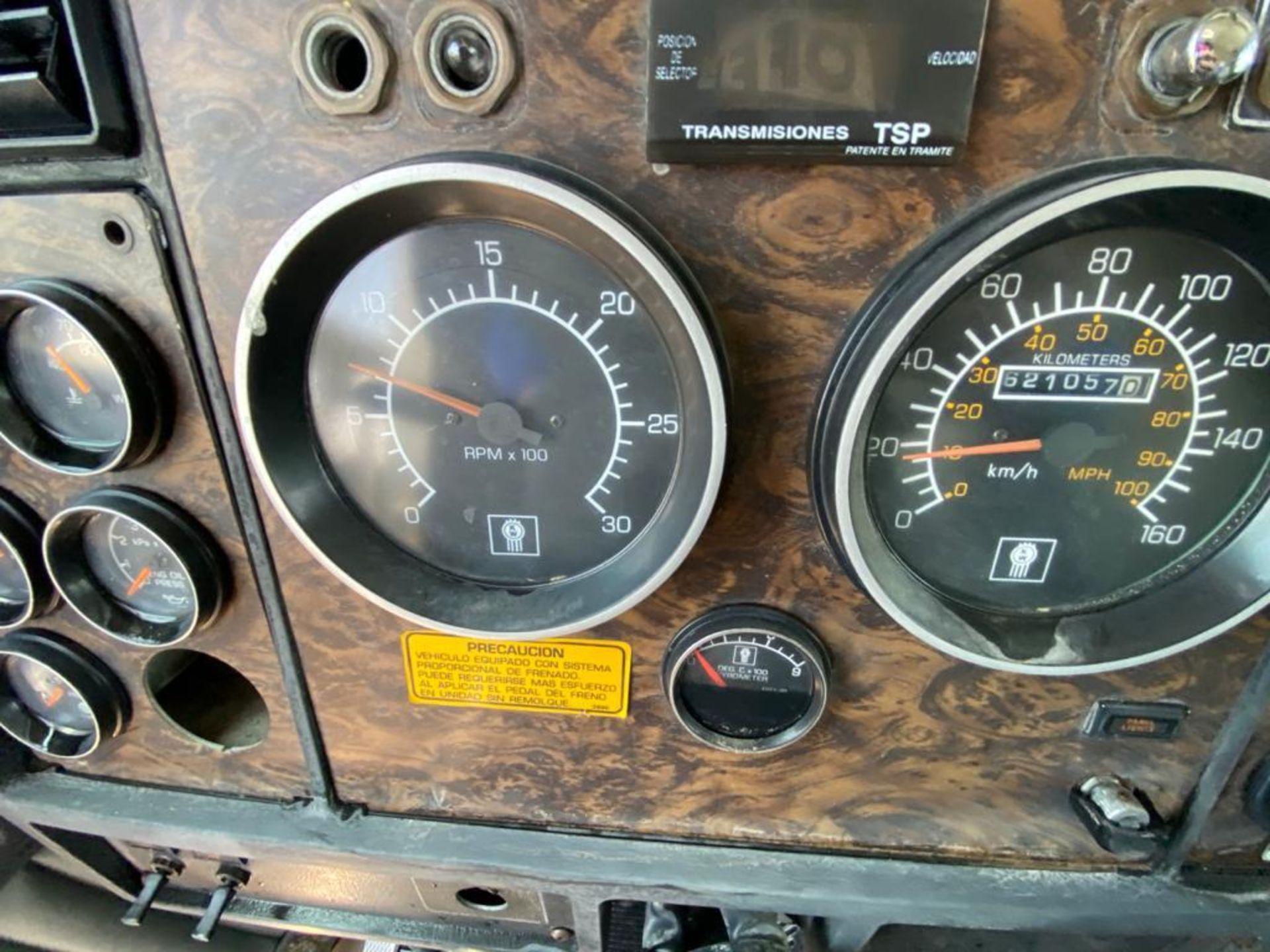 1998 Kenworth 5000 Gallon, standard transmission of 16 speeds - Image 32 of 68