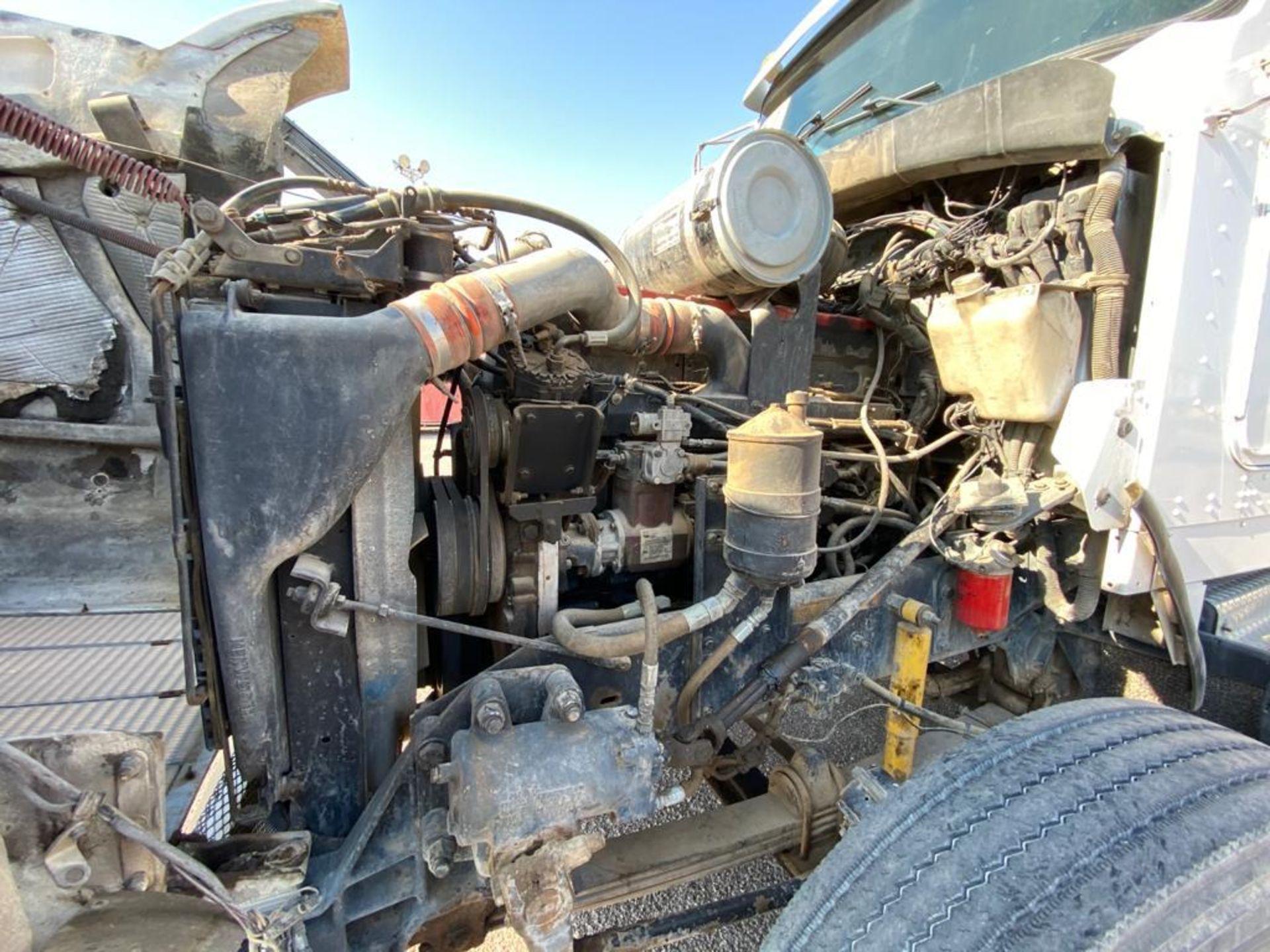 1998 Kenworth Sleeper Truck Tractor, standard transmission of 18 speeds - Image 44 of 55