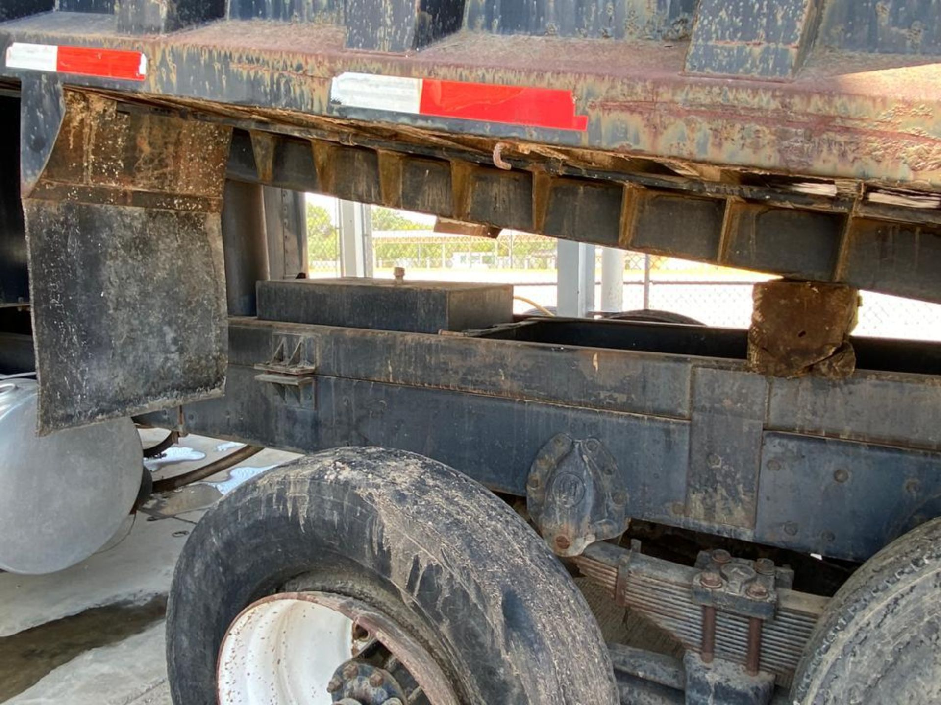 1983 Kenworth Dump Truck, standard transmission of 10 speeds, with Cummins motor - Image 53 of 68