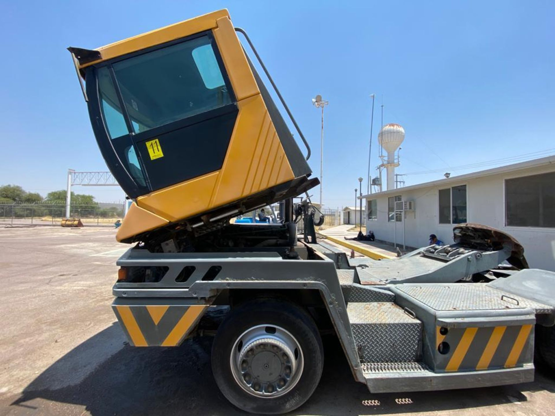 Terberg Capacity 2002 Terminal Tractor, automatic transmission, with Volvo motor - Image 34 of 57