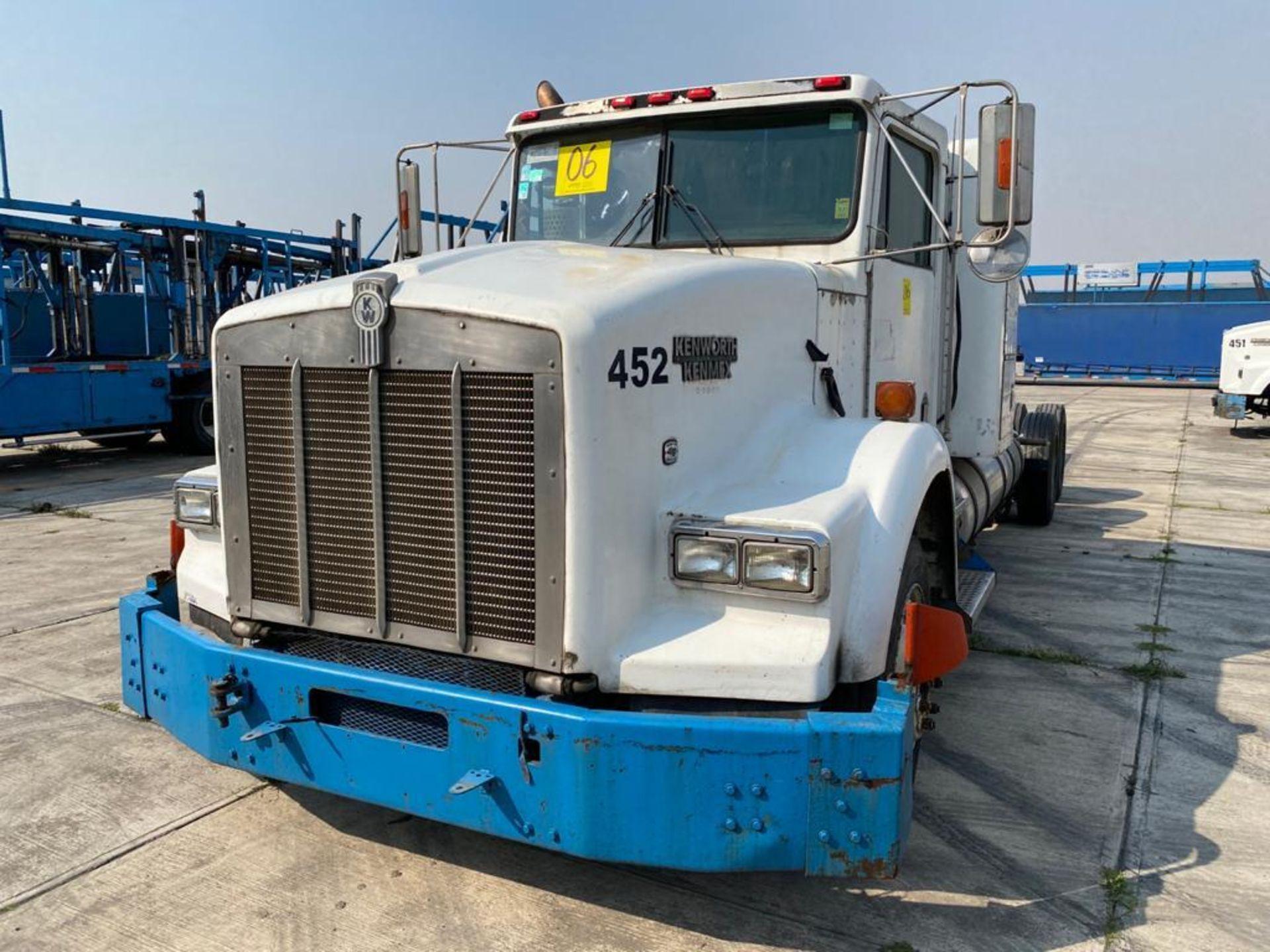 1998 Kenworth Sleeper truck tractor, standard transmission of 18 speeds - Image 5 of 75