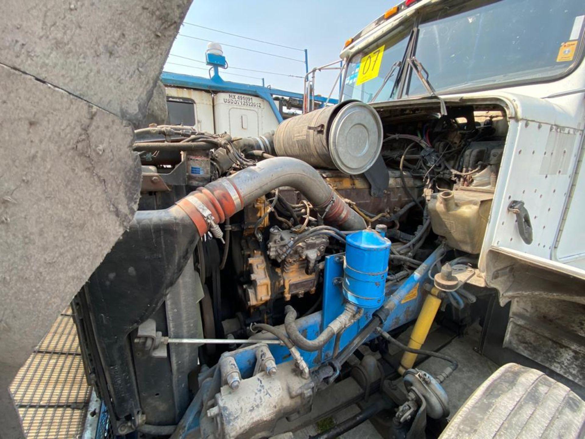 1999 Kenworth Sleeper truck tractor, standard transmission of 18 speeds - Image 54 of 72