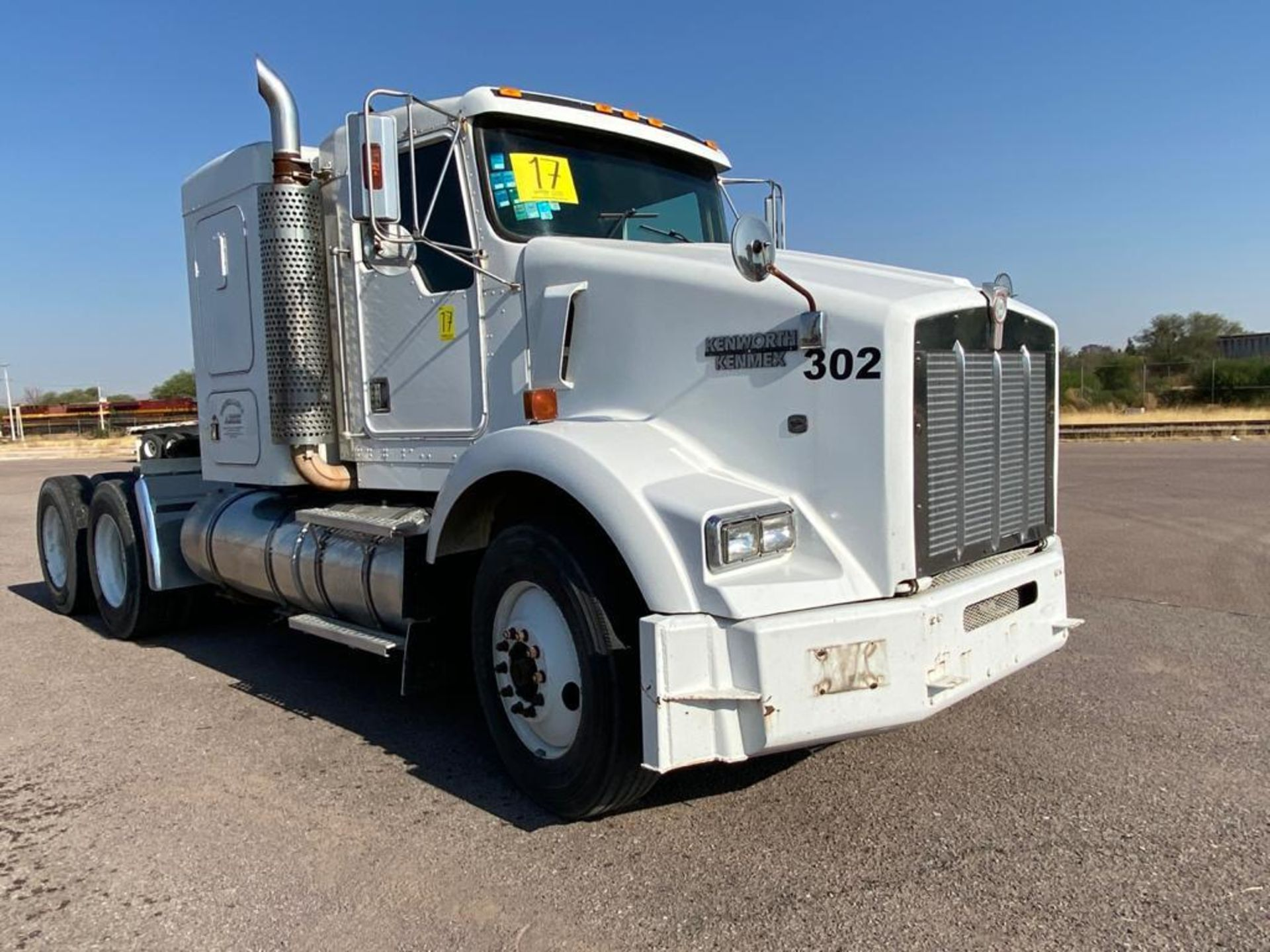 1998 Kenworth Sleeper Truck Tractor, standard transmission of 18 speeds - Image 3 of 55