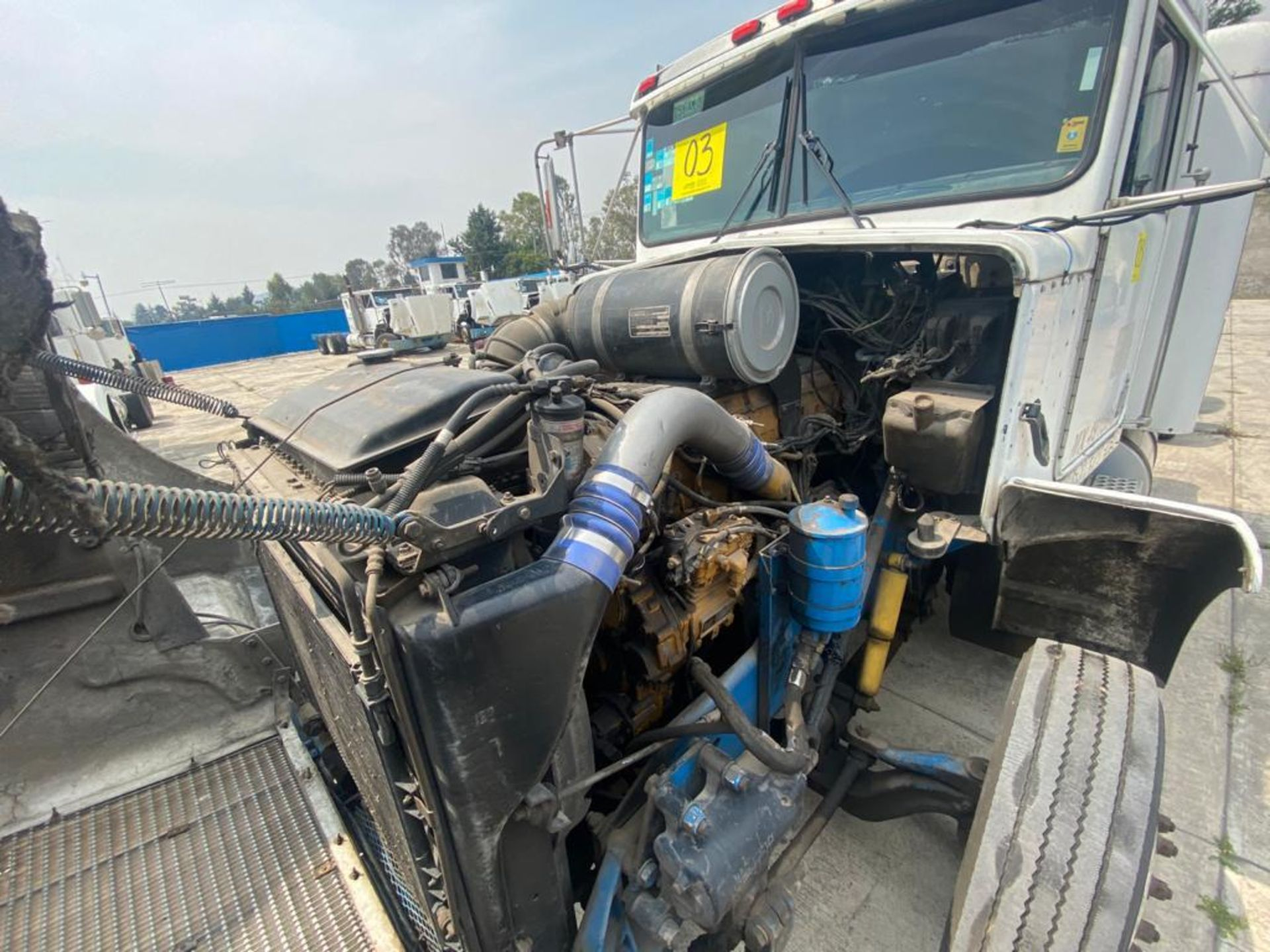 1999 Kenworth Sleeper truck tractor, standard transmission of 18 speeds - Image 52 of 62