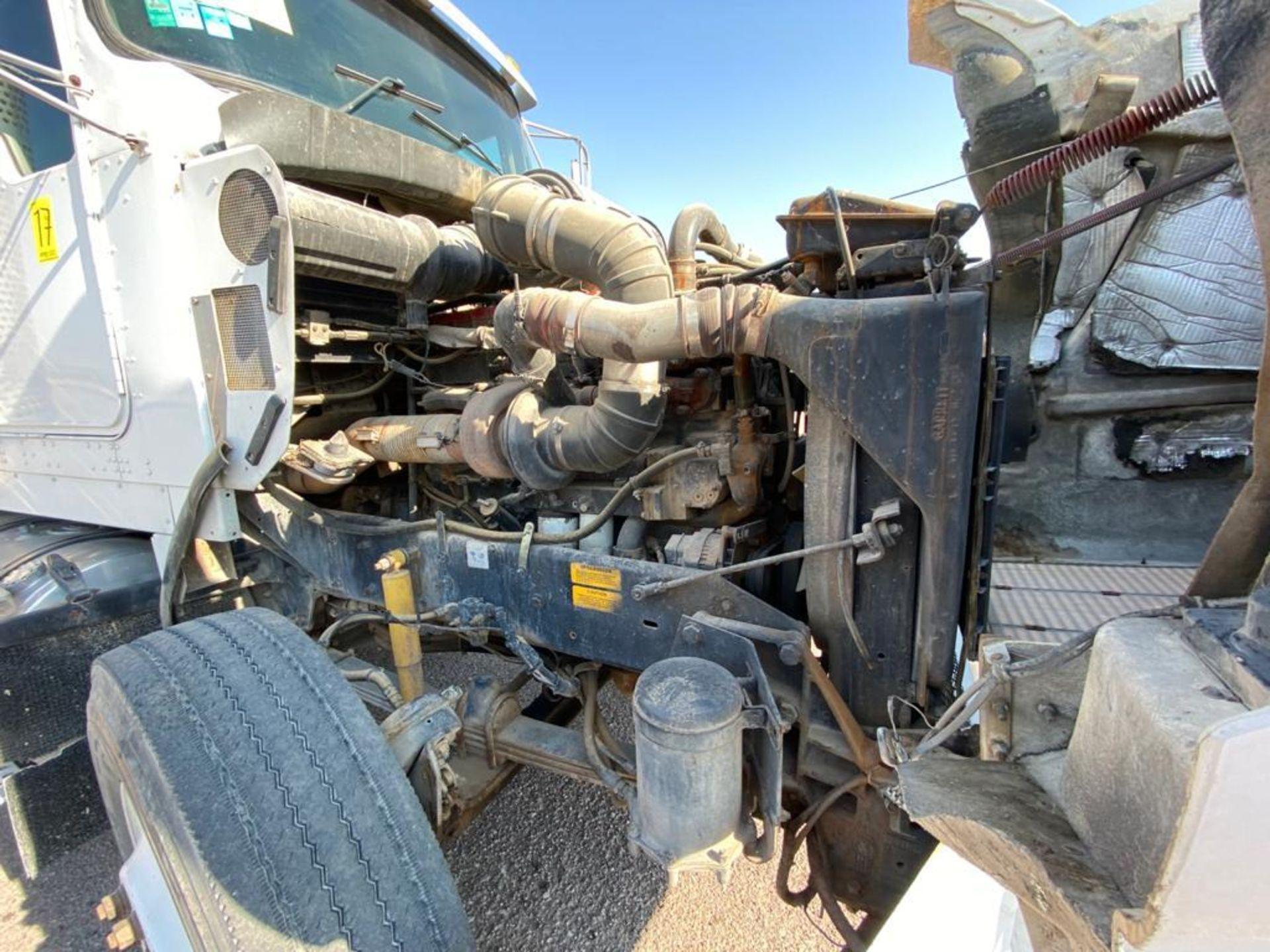 1998 Kenworth Sleeper Truck Tractor, standard transmission of 18 speeds - Image 49 of 55
