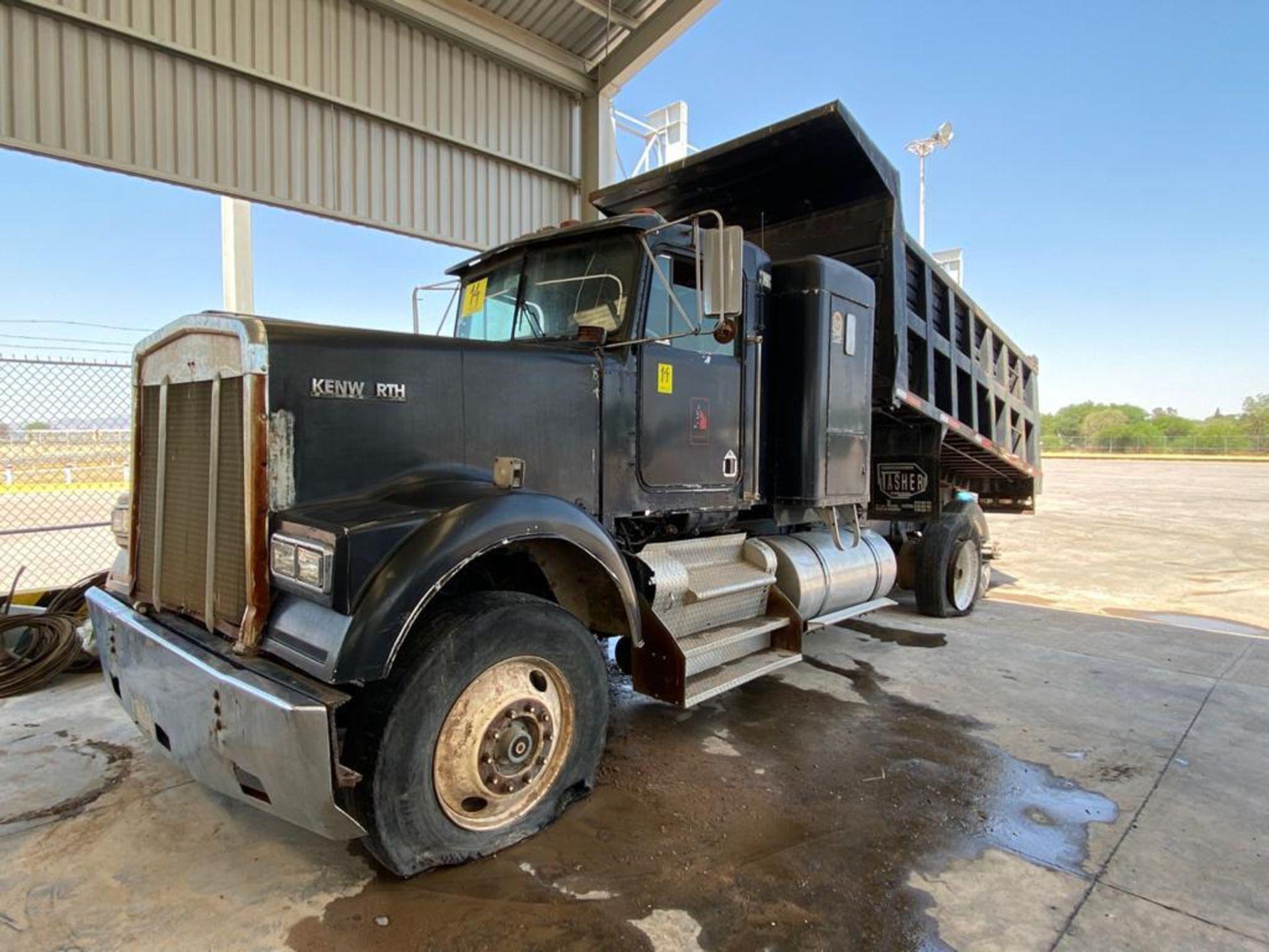 1983 Kenworth Dump Truck, standard transmission of 10 speeds, with Cummins motor - Image 6 of 68