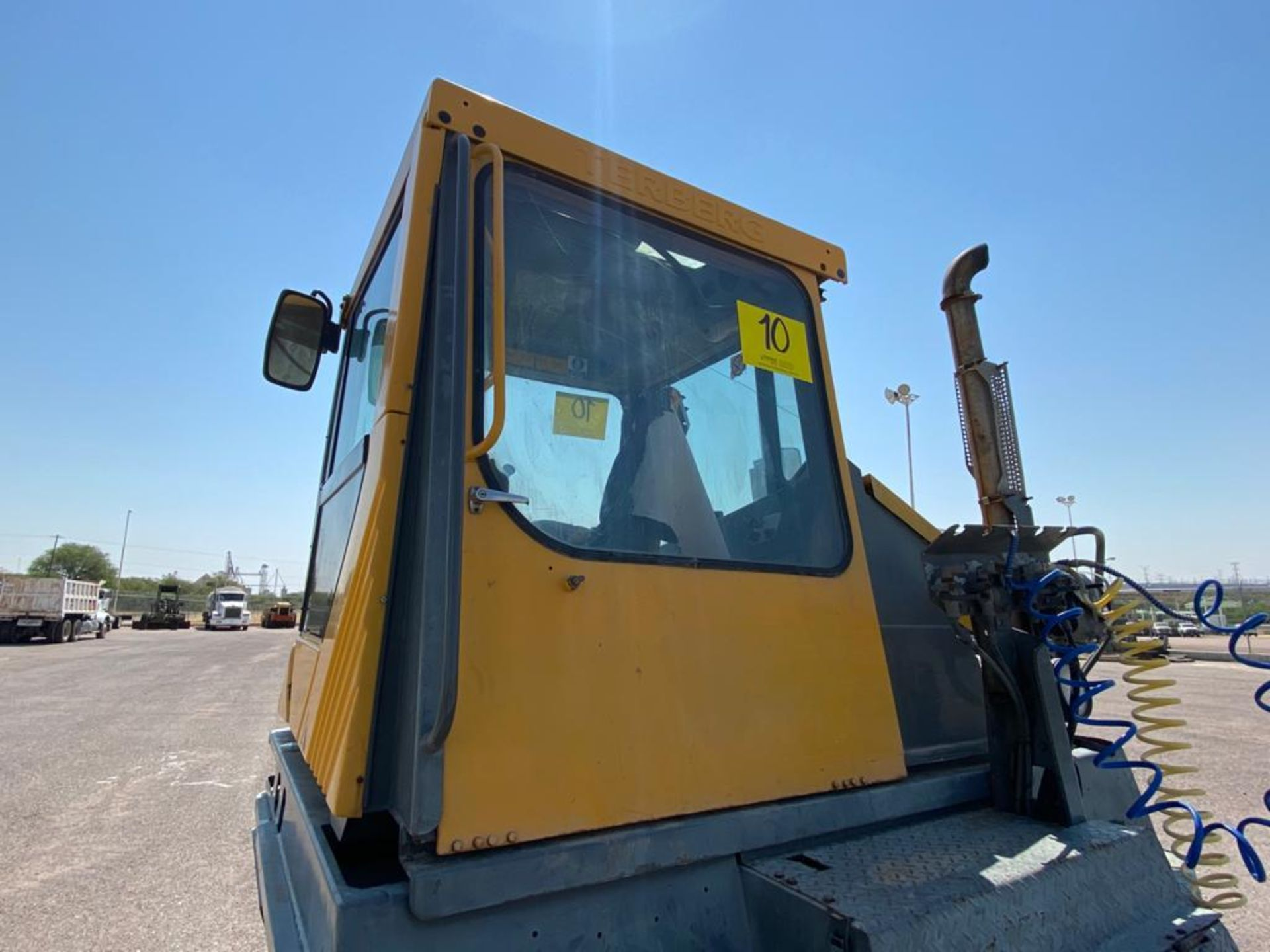 Terberg Capacity 2002 Terminal Tractor, automatic transmission, with Volvo motor - Image 12 of 28