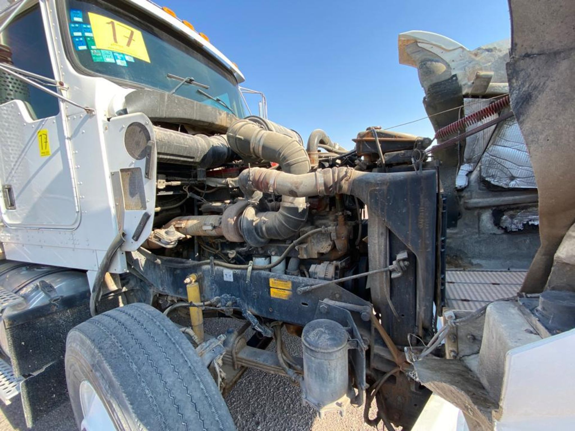 1998 Kenworth Sleeper Truck Tractor, standard transmission of 18 speeds - Image 53 of 55
