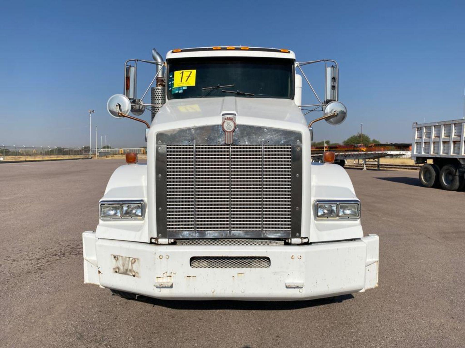 1998 Kenworth Sleeper Truck Tractor, standard transmission of 18 speeds - Image 4 of 55