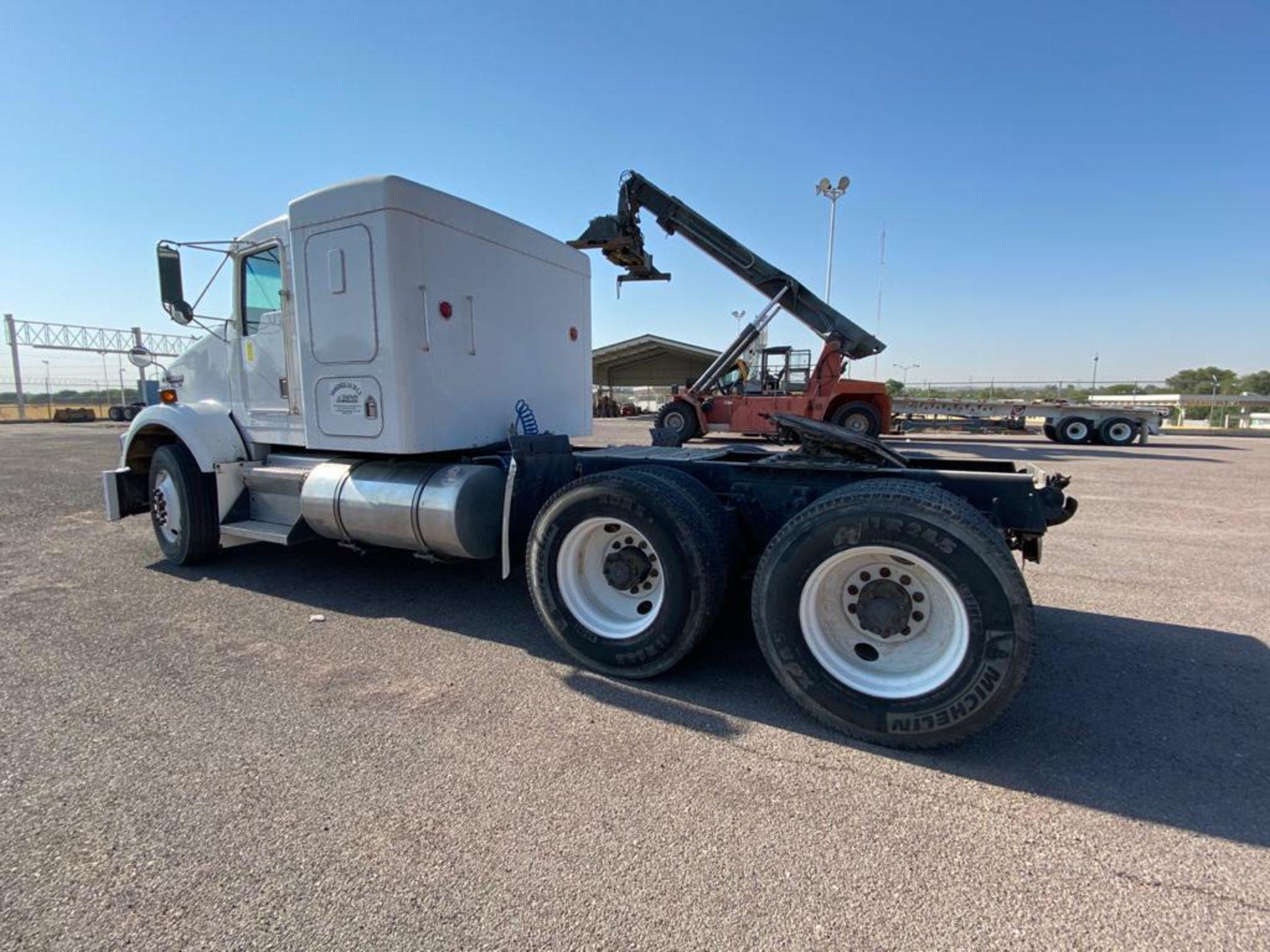 1998 Kenworth Sleeper Truck Tractor, standard transmission of 18 speeds - Image 10 of 55