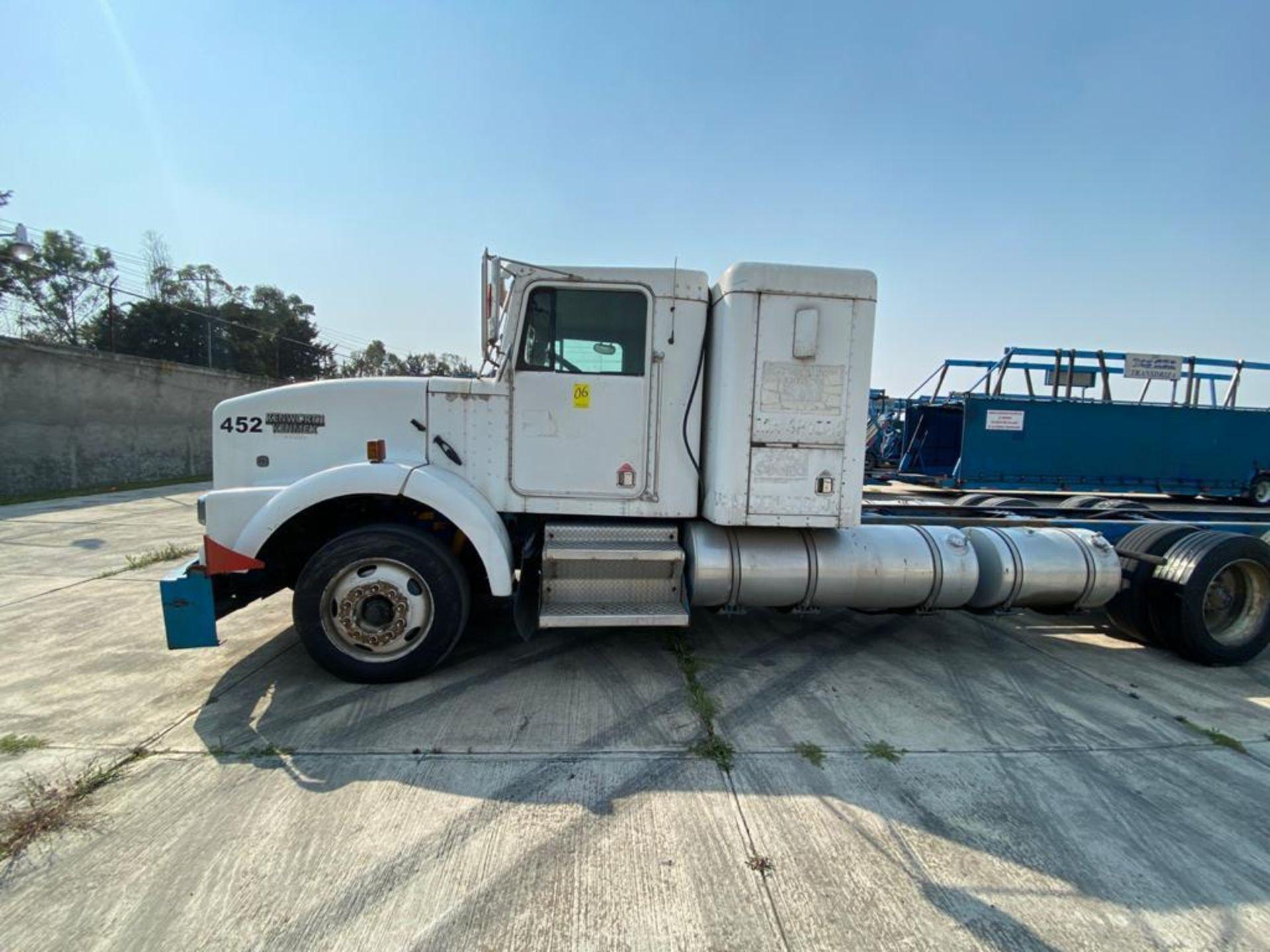 1998 Kenworth Sleeper truck tractor, standard transmission of 18 speeds - Image 9 of 75
