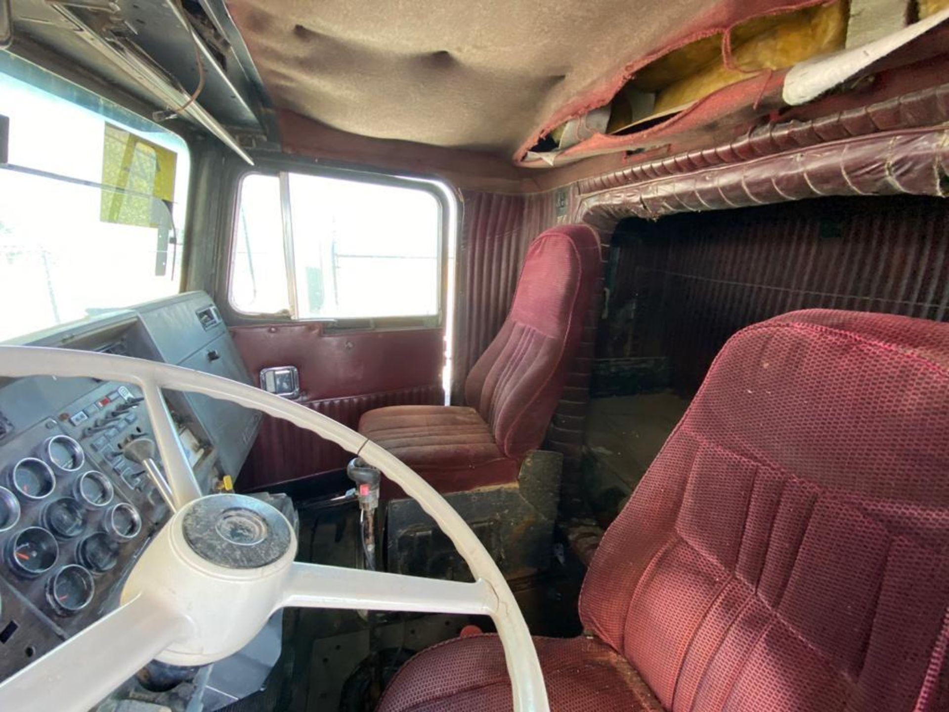 1983 Kenworth Dump Truck, standard transmission of 10 speeds, with Cummins motor - Image 62 of 68