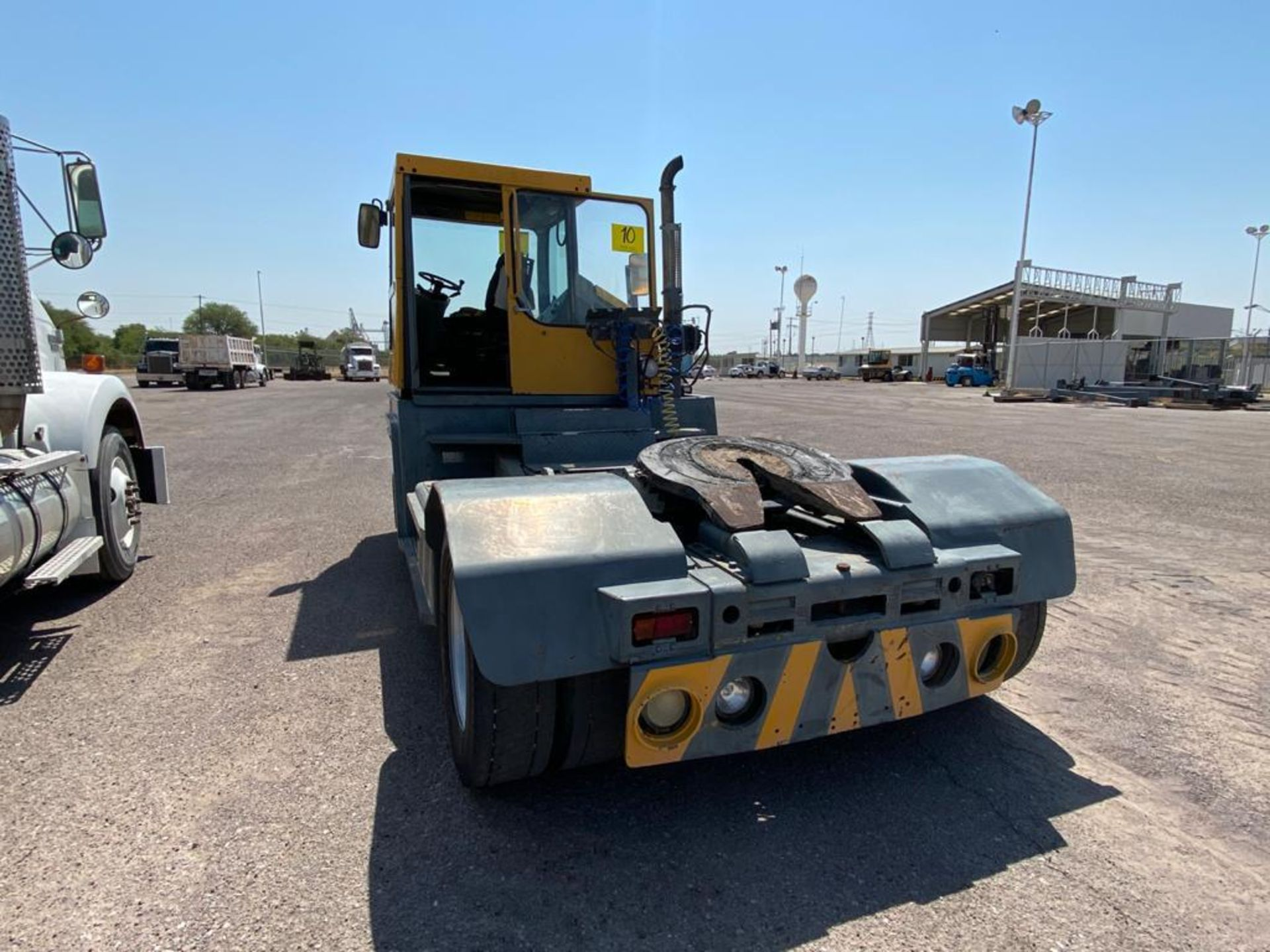 Terberg Capacity 2002 Terminal Tractor, automatic transmission, with Volvo motor - Image 14 of 28