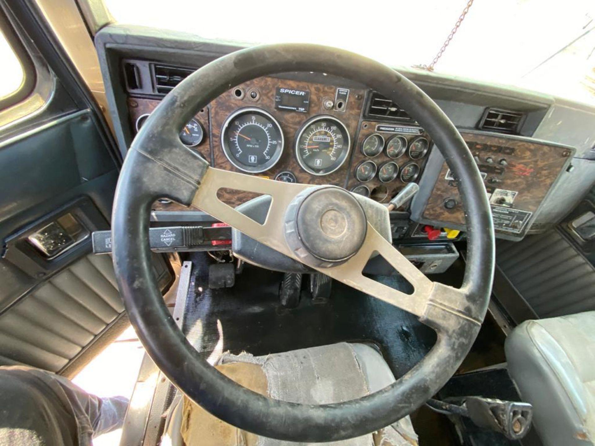 1998 Kenworth 5000 Gallon, standard transmission of 16 speeds - Image 36 of 68