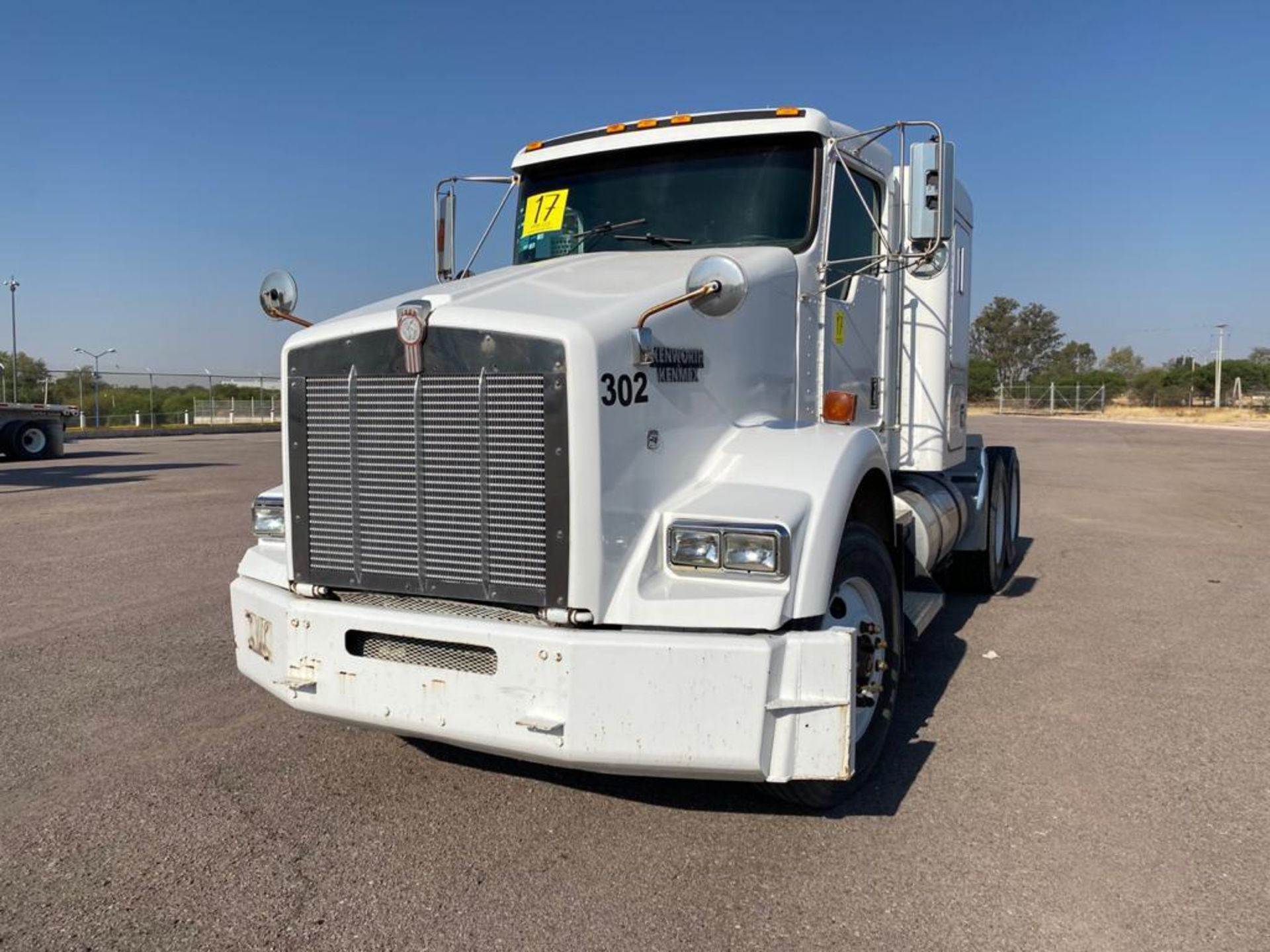 1998 Kenworth Sleeper Truck Tractor, standard transmission of 18 speeds - Image 5 of 55