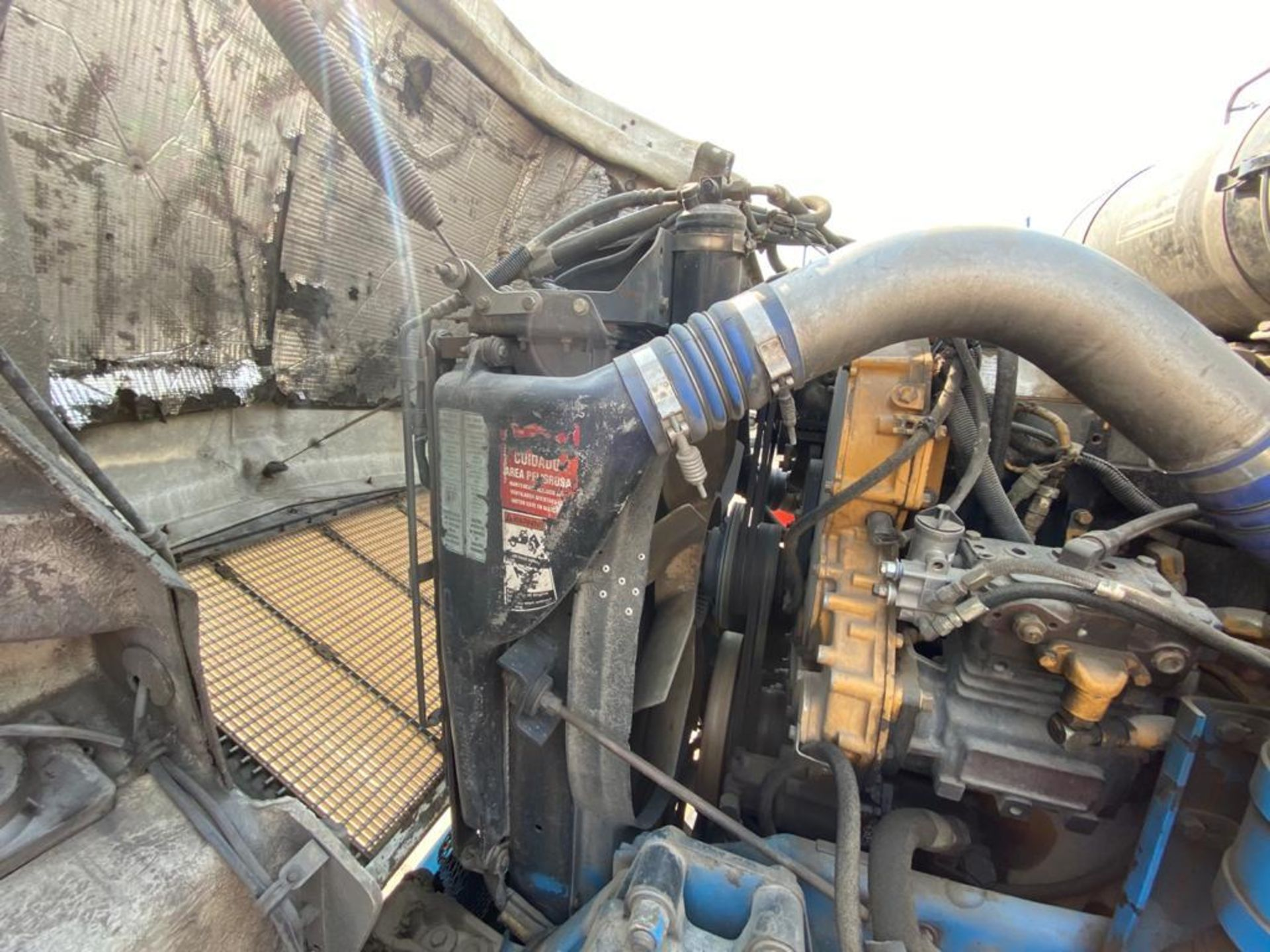 1998 Kenworth Sleeper truck tractor, standard transmission of 18 speeds - Image 69 of 75