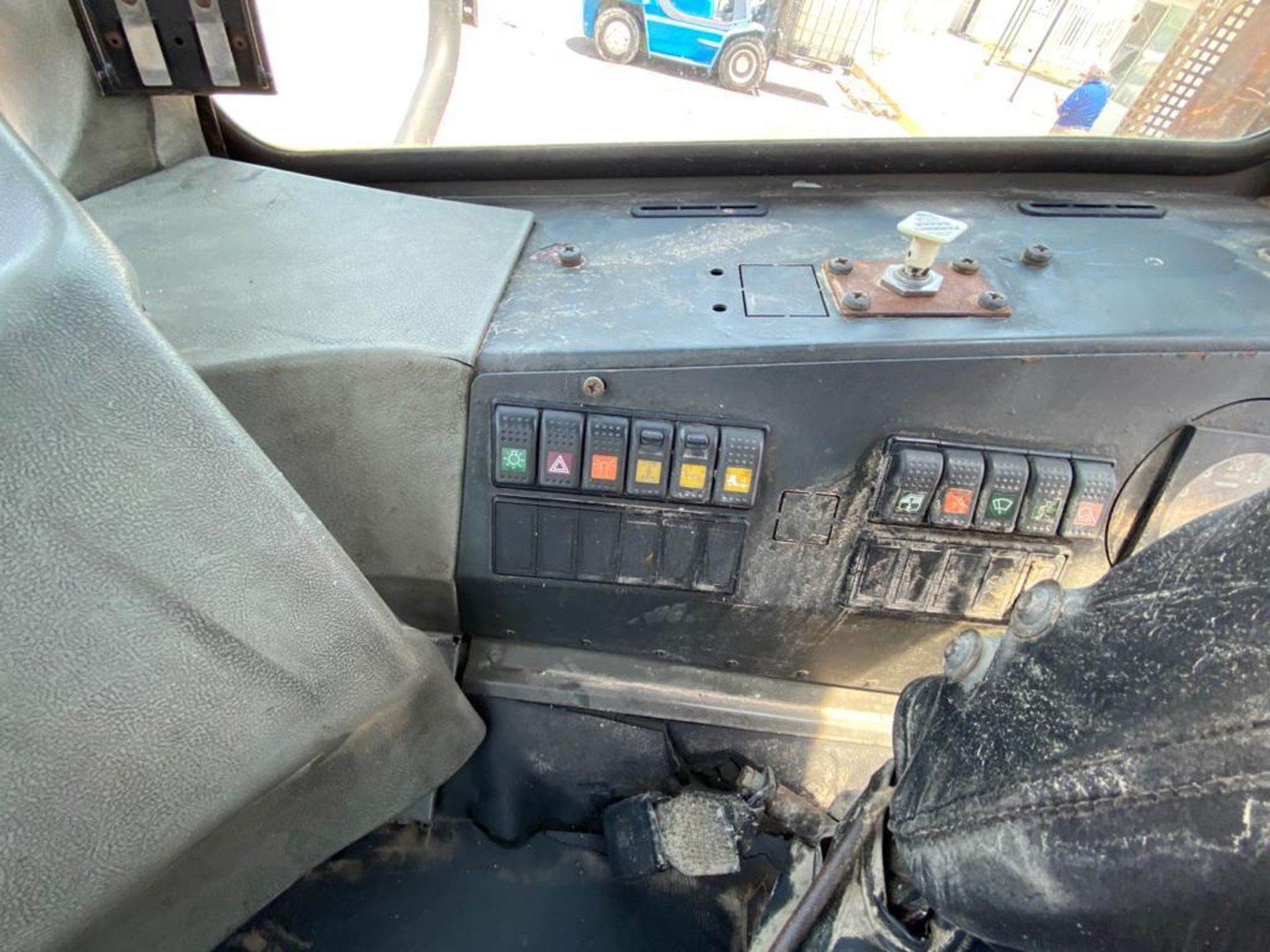Terberg Capacity 2002 Terminal Tractor, automatic transmission, with Volvo motor - Image 24 of 57