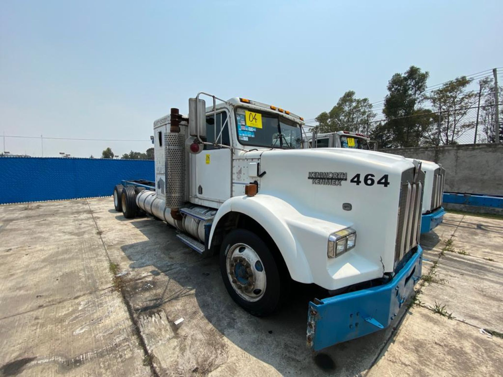 1999 Kenworth Sleeper truck tractor, standard transmission of 18 speeds - Image 3 of 70