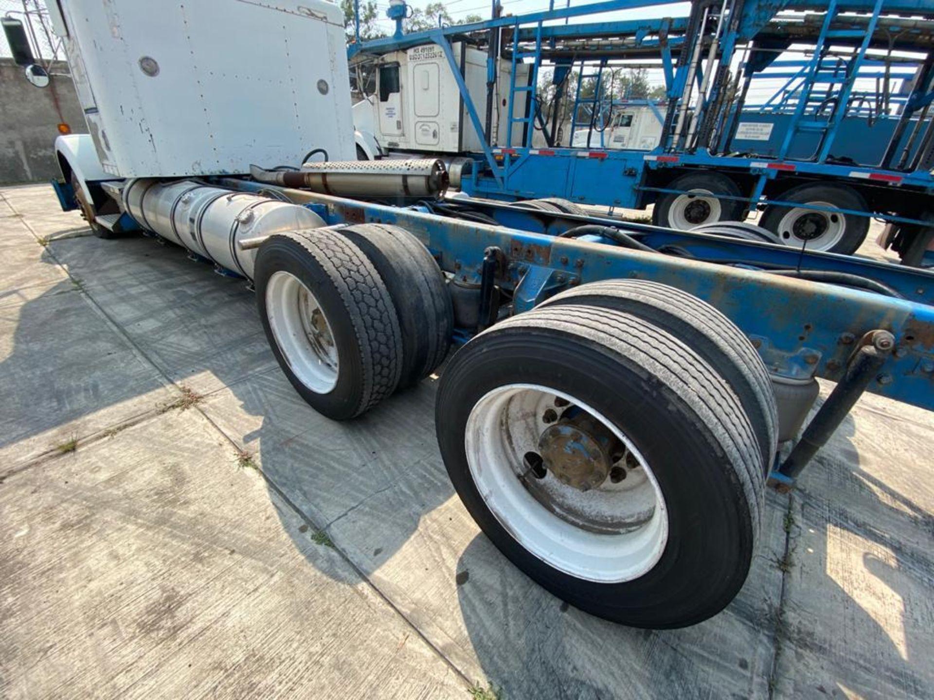 1999 Kenworth Sleeper truck tractor, standard transmission of 18 speeds - Image 15 of 72