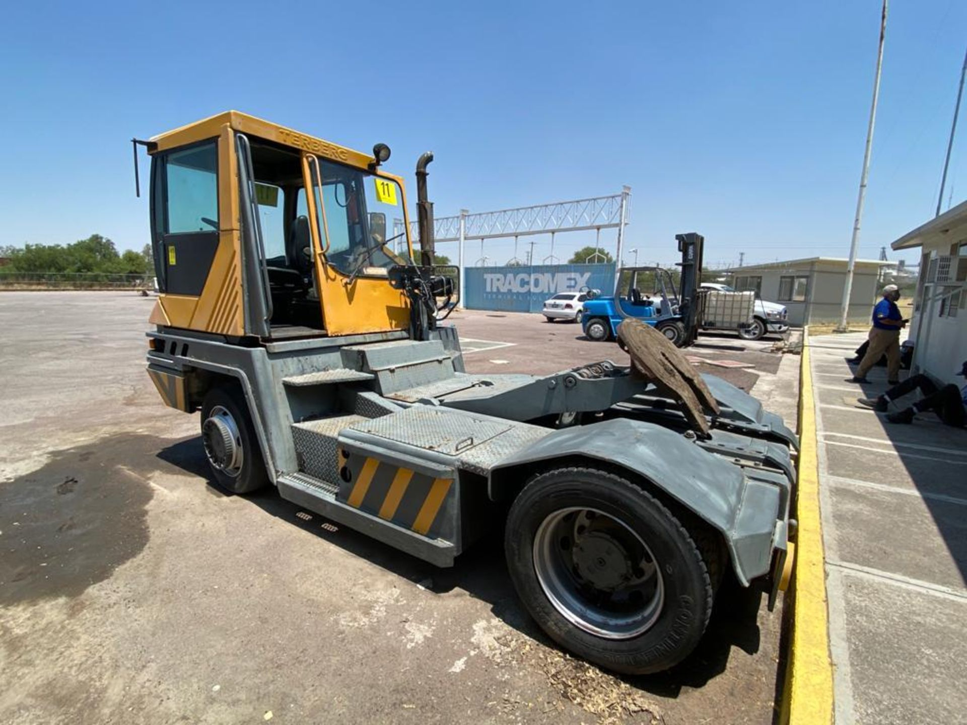 Terberg Capacity 2002 Terminal Tractor, automatic transmission, with Volvo motor - Image 10 of 57