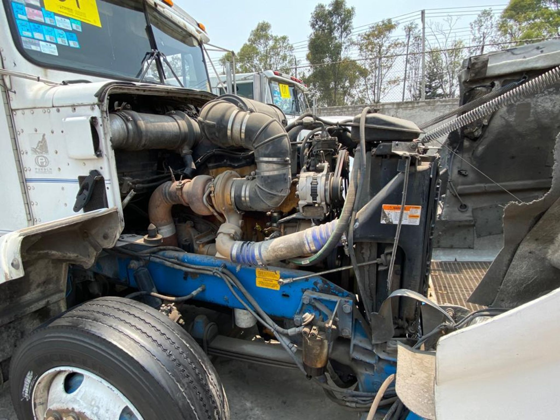 1999 Kenworth Sleeper truck tractor, standard transmission of 18 speeds - Image 59 of 70