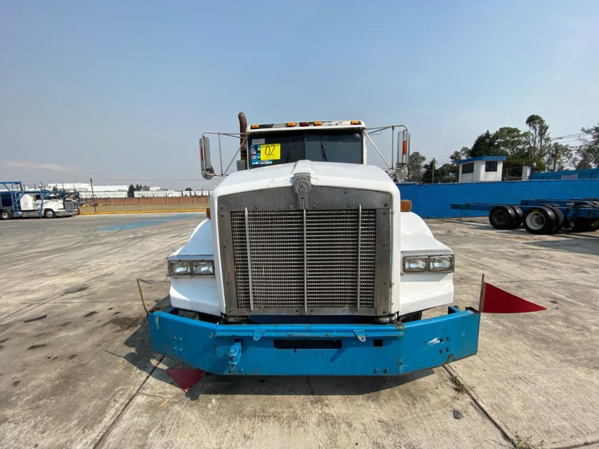 1999 Kenworth Sleeper truck tractor, standard transmission of 18 speeds - Image 6 of 75