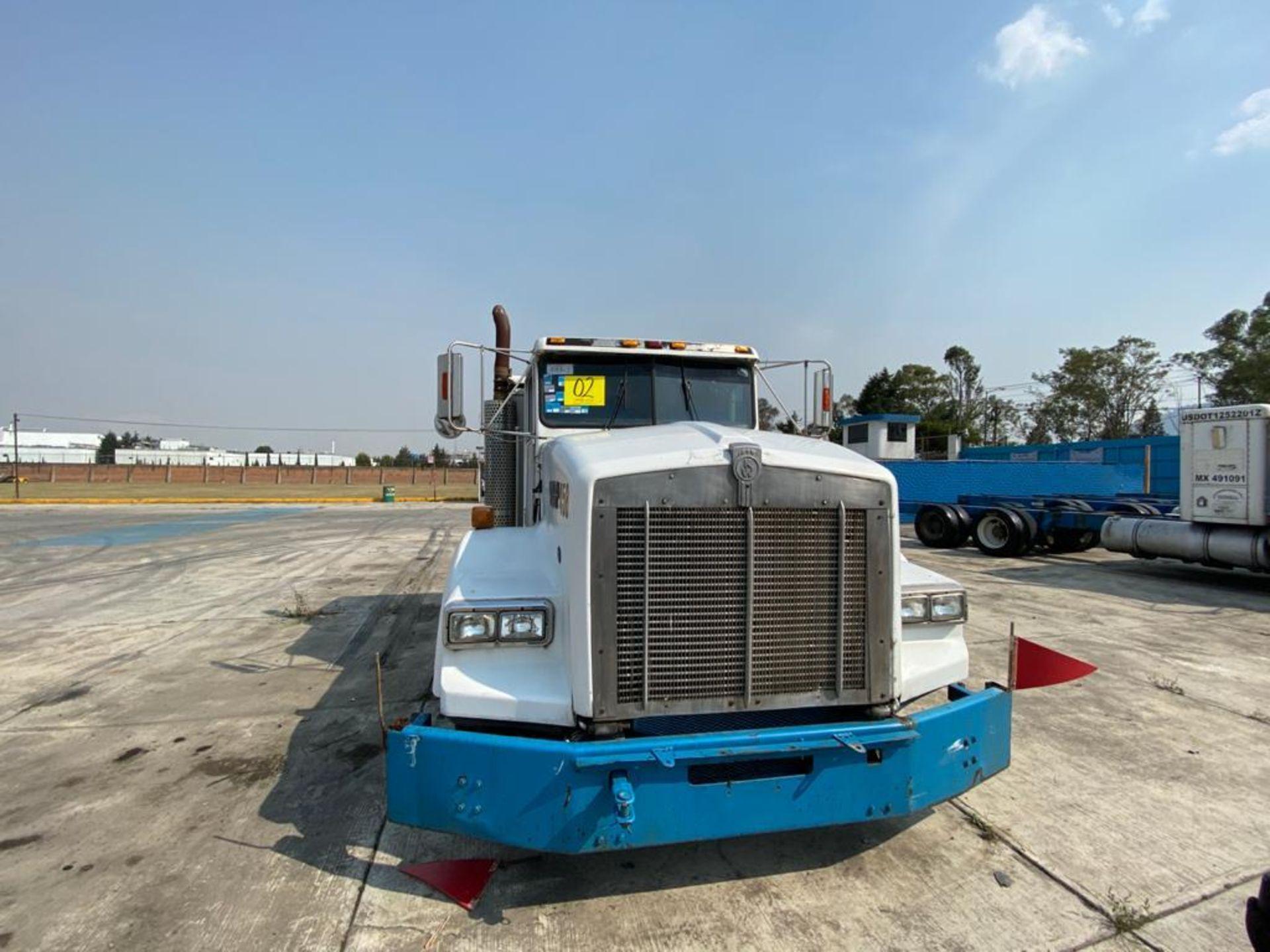 1999 Kenworth Sleeper truck tractor, standard transmission of 18 speeds - Image 4 of 75
