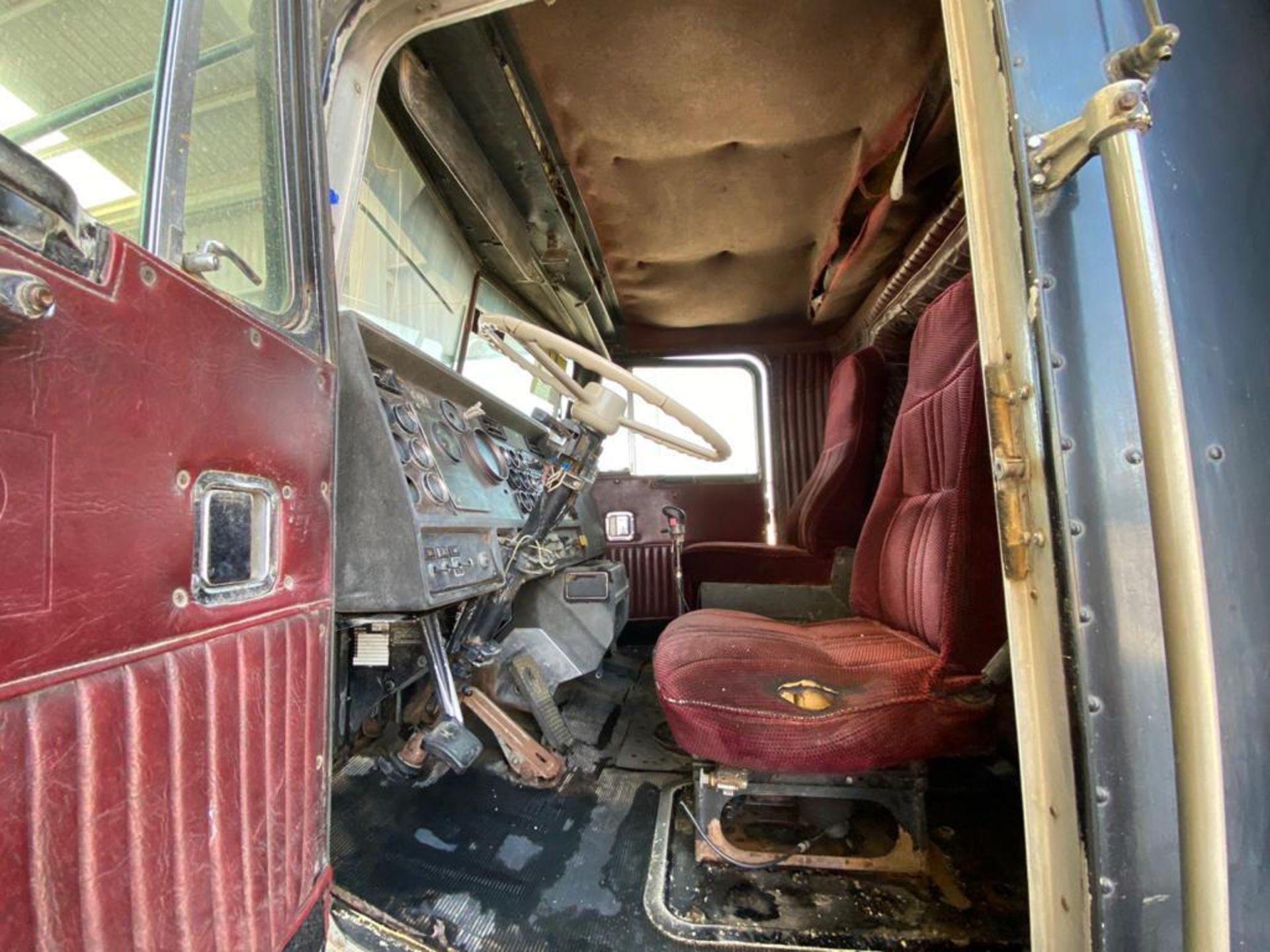 1983 Kenworth Dump Truck, standard transmission of 10 speeds, with Cummins motor - Image 33 of 68