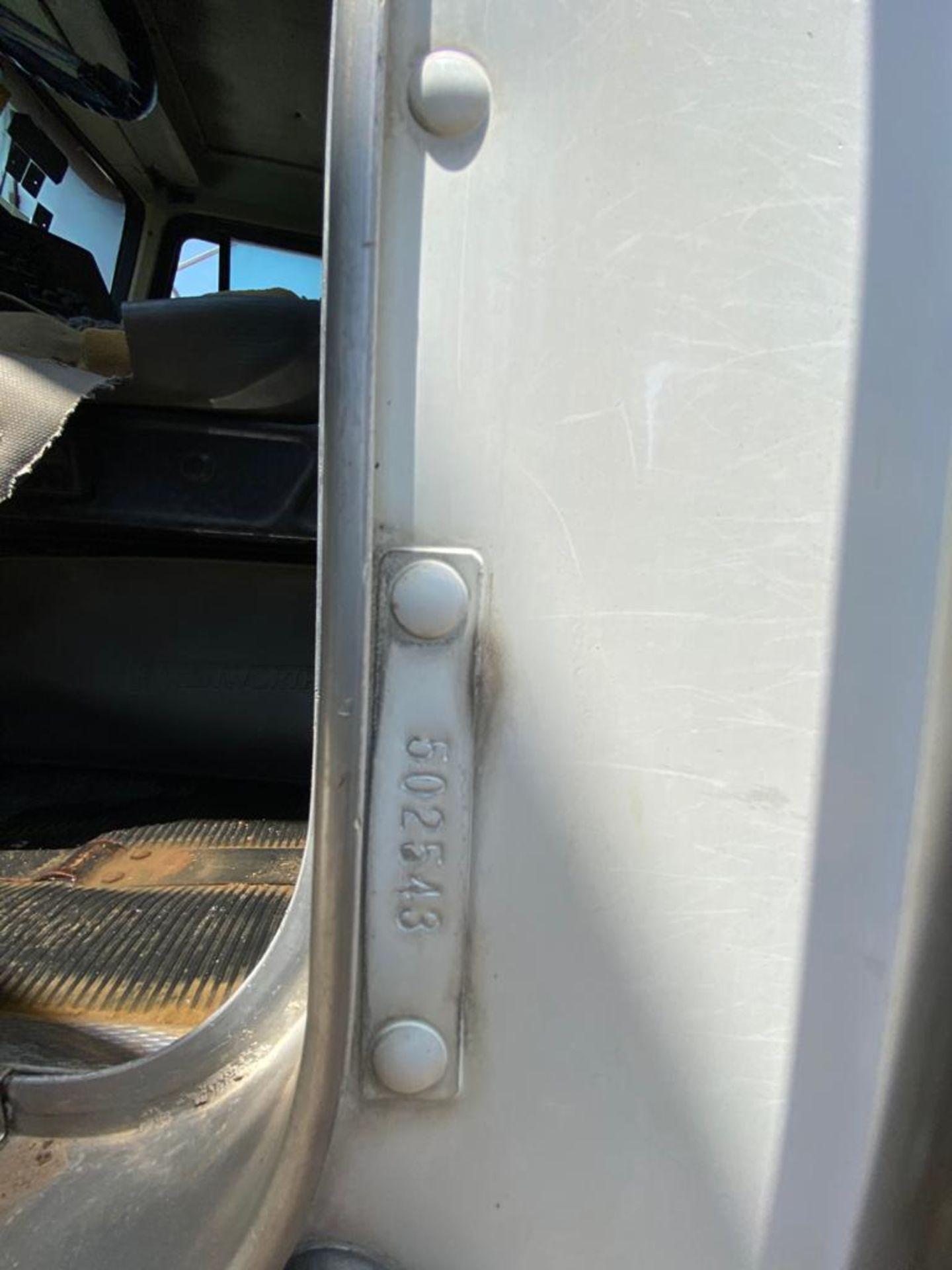 1998 Kenworth 5000 Gallon, standard transmission of 16 speeds - Image 42 of 68