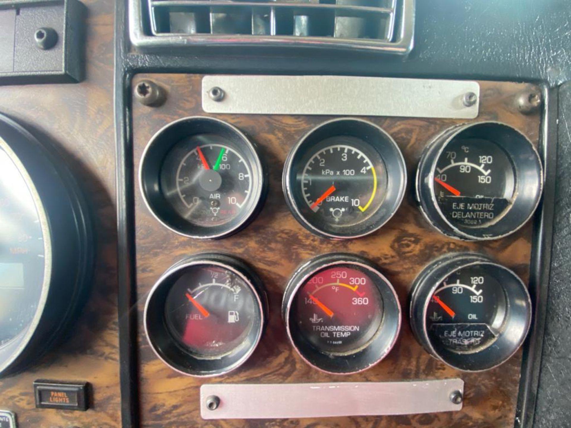 1999 Kenworth Sleeper truck tractor, standard transmission of 18 speeds - Image 33 of 62