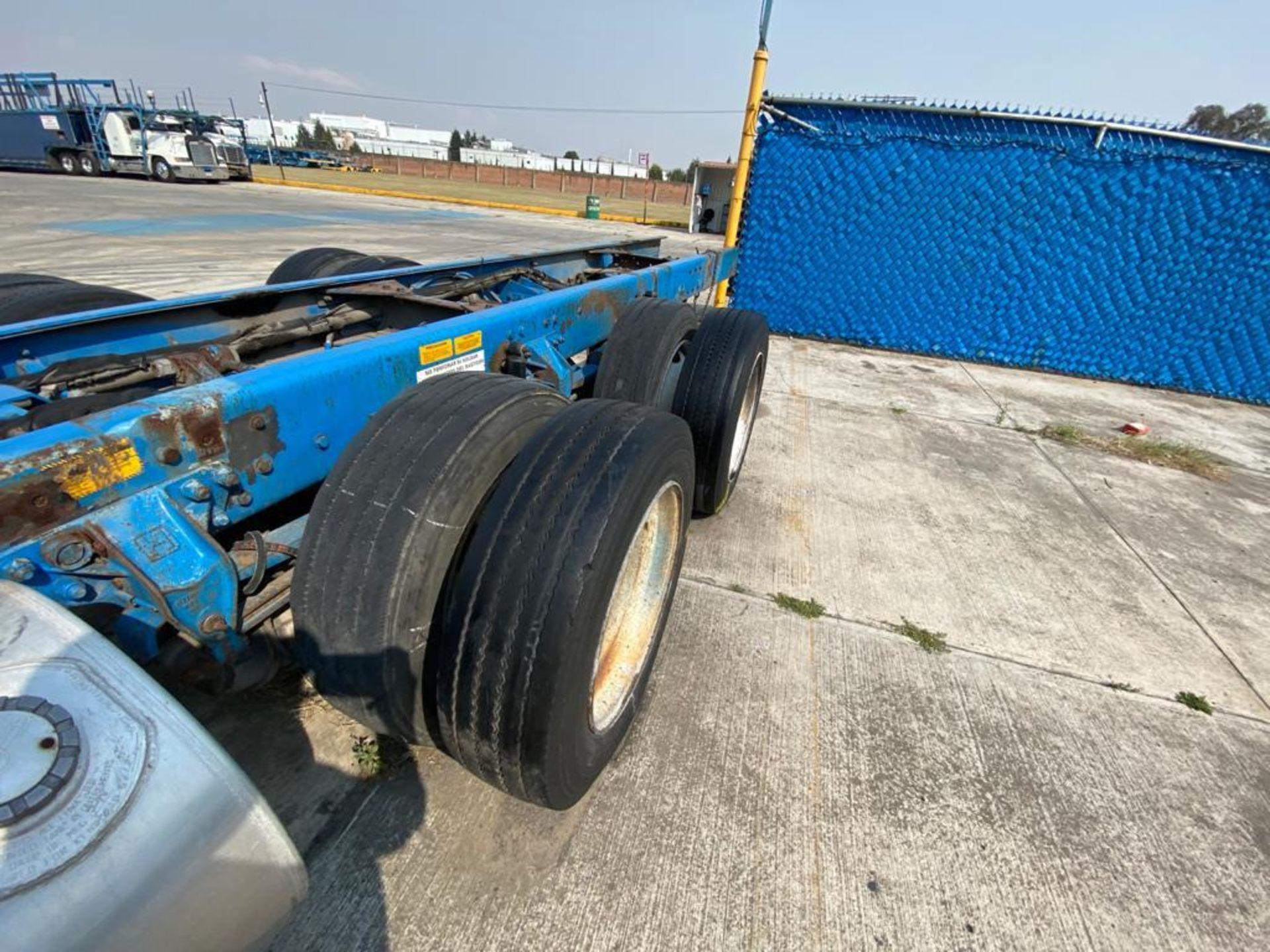 1999 Kenworth Sleeper truck tractor, standard transmission of 18 speeds - Image 17 of 75