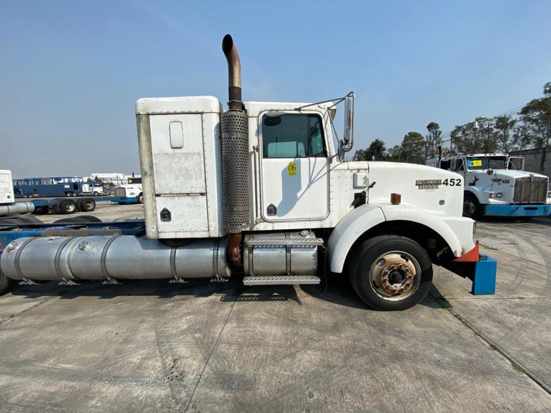 1998 Kenworth Sleeper truck tractor, standard transmission of 18 speeds - Image 27 of 75