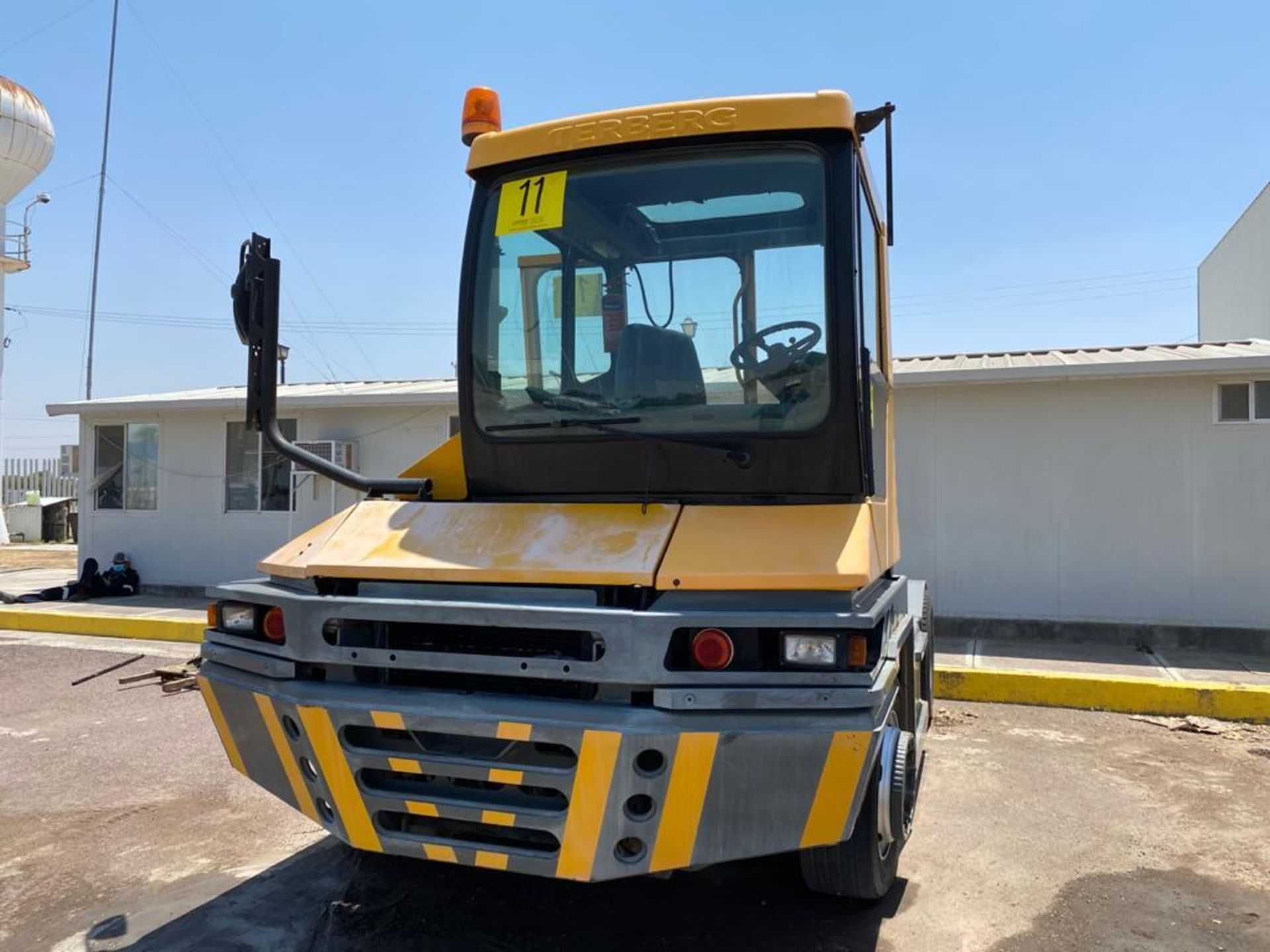 Terberg Capacity 2002 Terminal Tractor, automatic transmission, with Volvo motor - Image 4 of 57