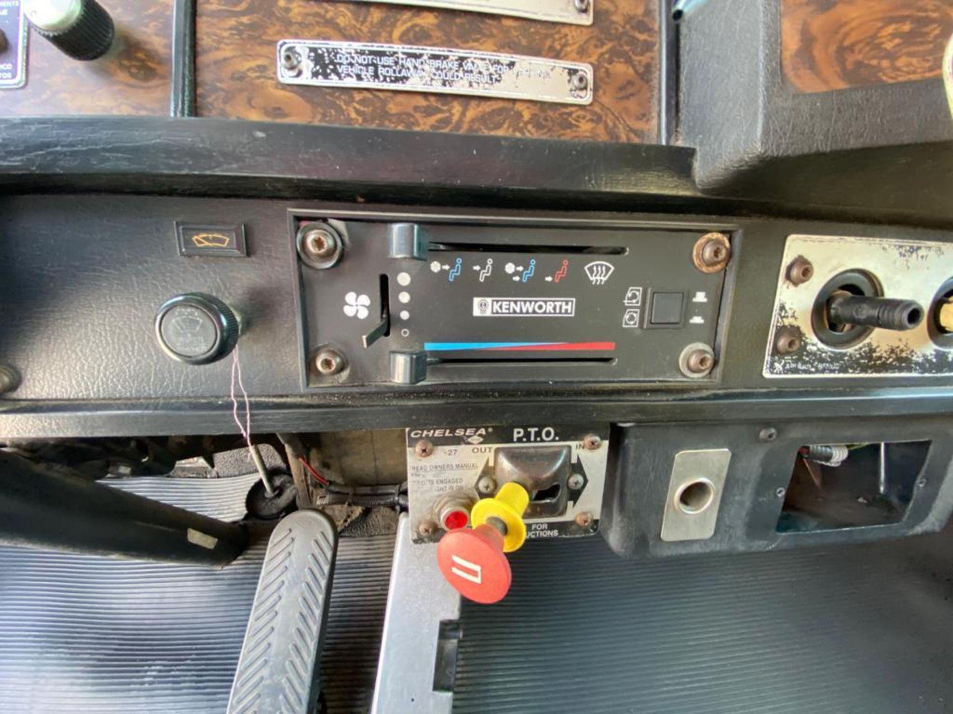 1998 Kenworth Sleeper truck tractor, standard transmission of 18 speeds - Image 40 of 75
