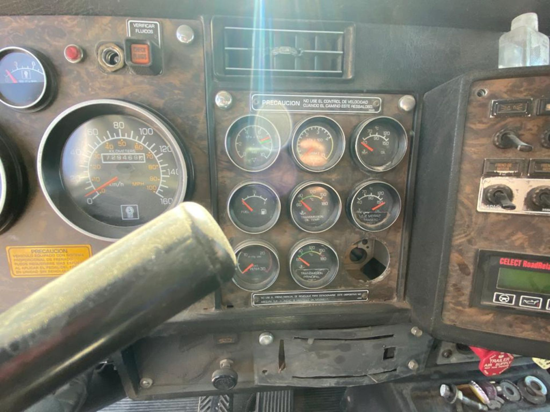 1998 Kenworth Sleeper Truck Tractor, standard transmission of 18 speeds - Image 33 of 55